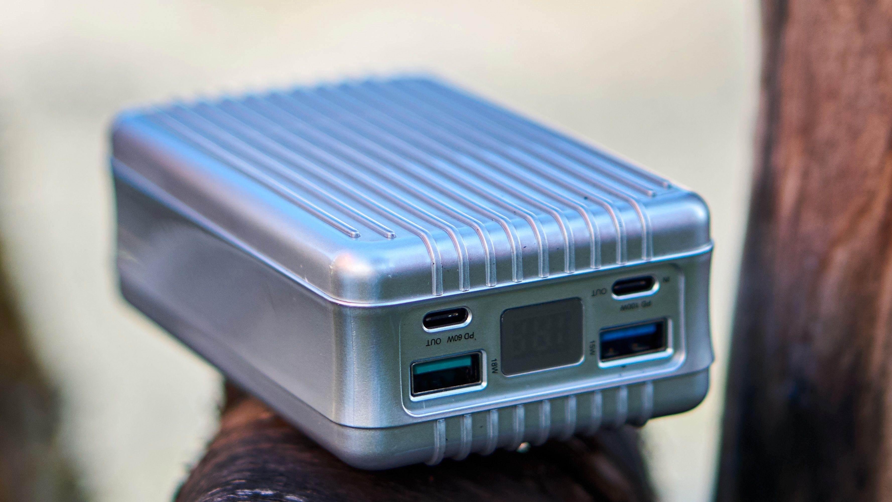 Denne laderen har både USB-A og USB Type-C-innganger. Men ikke alle har lik effekt.