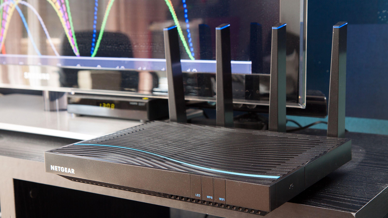 Netgear Nighthawk X8 er en av de trådløse ruterne som nå støtter Wave 2.