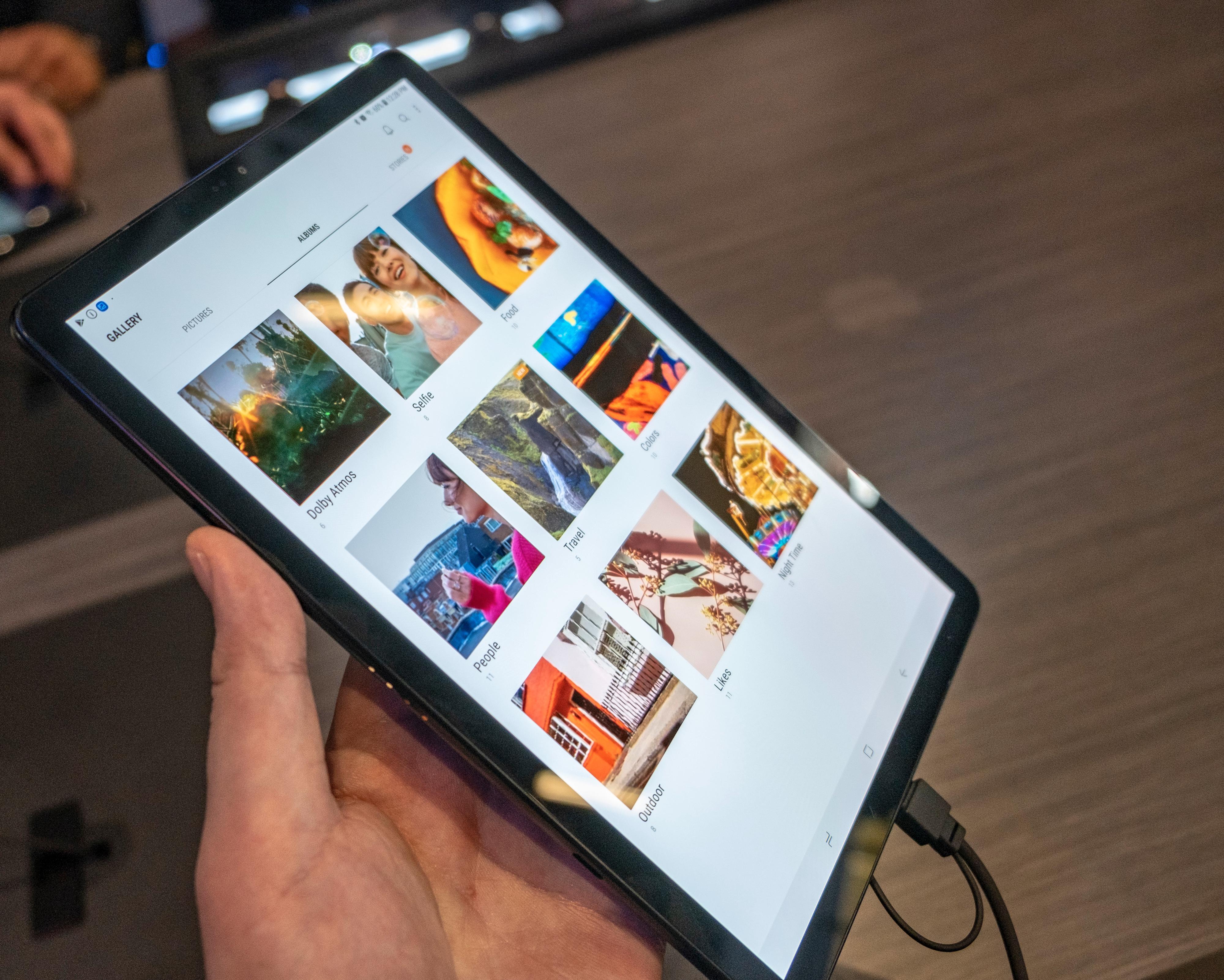 De fantastiske AMOLED-skjermene er trekkplastrene ved Samsungs Galaxy Tab S-serie.