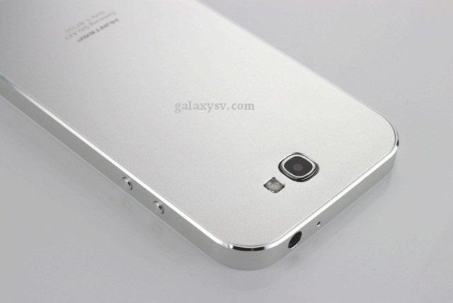 Kommer metallversjonen av Samsung Galaxy S5 til å ligne på en iPhone?Foto: Galaxysv.com
