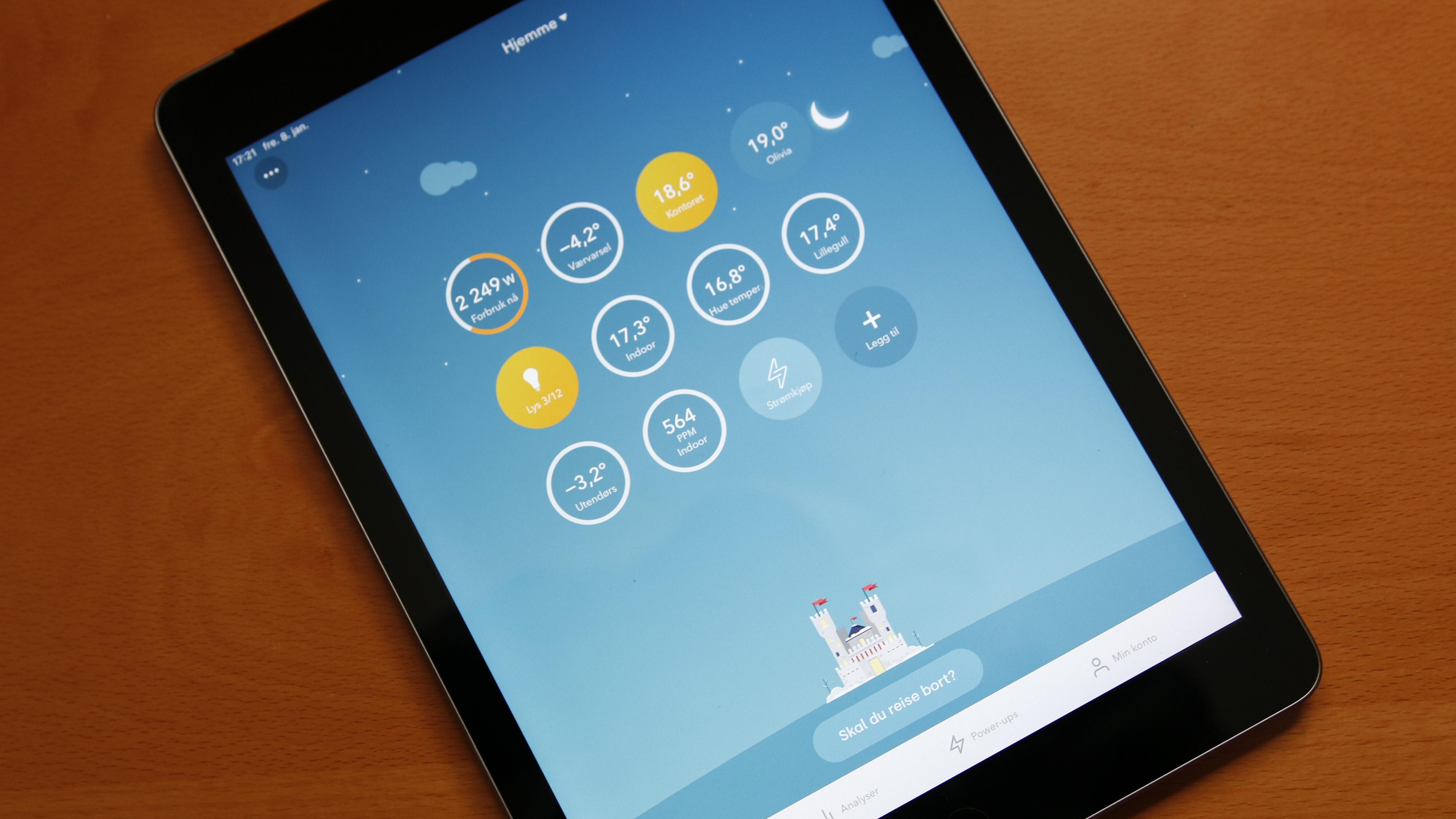 Gjennom Tibber-appen kan vi få tilgang på flere av våre smarte dingser og sensorer, som vi da kan ha snarveier til på «hjem»-skjermen. Men løsningen har noen mangler, som at vi ikke selv kan navngi sensorene. «Hue temperature sensor 1» er ikke like spenstig som «gangen».
