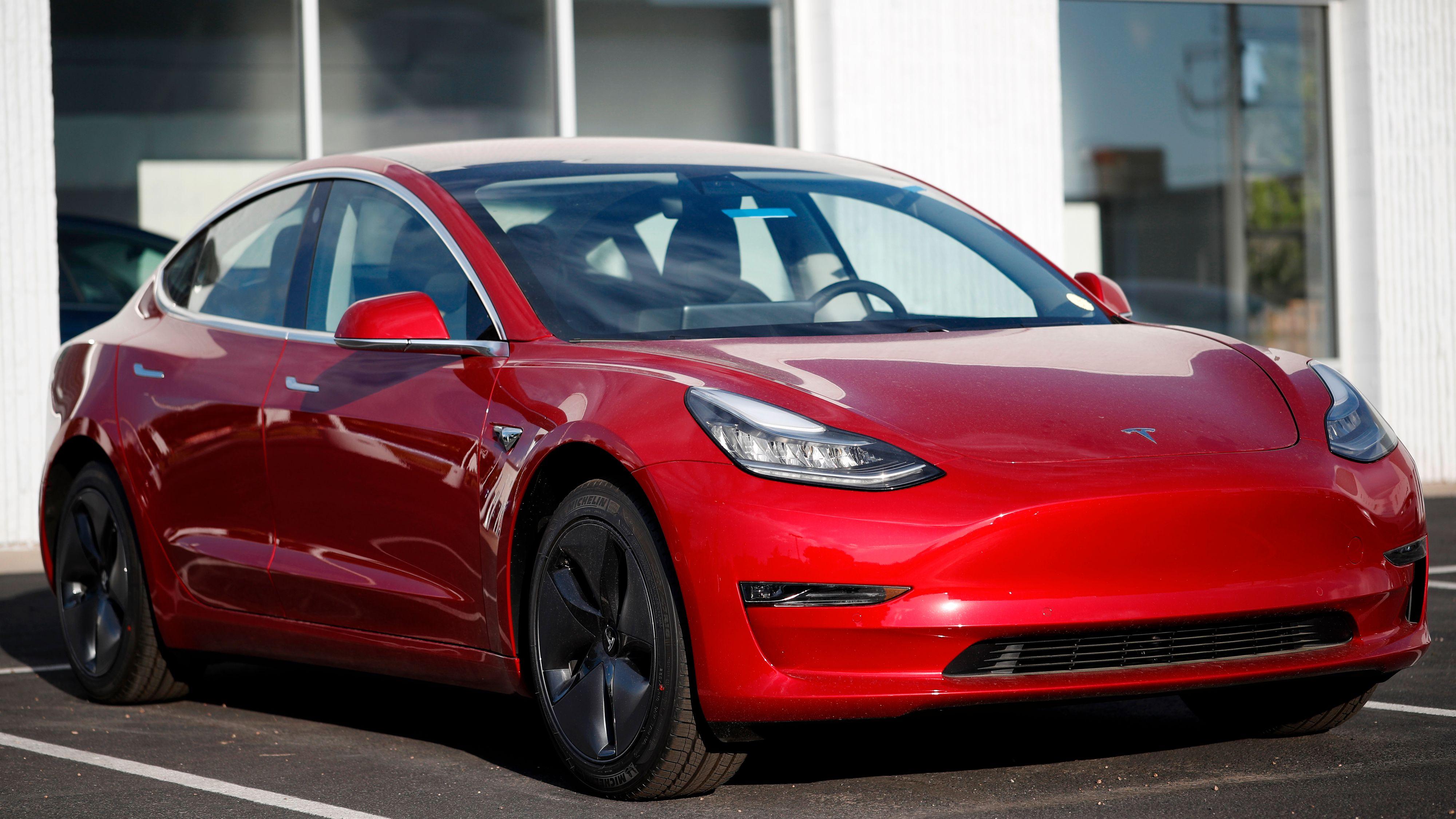 Tesla Model 3 kan også få gratis superlading