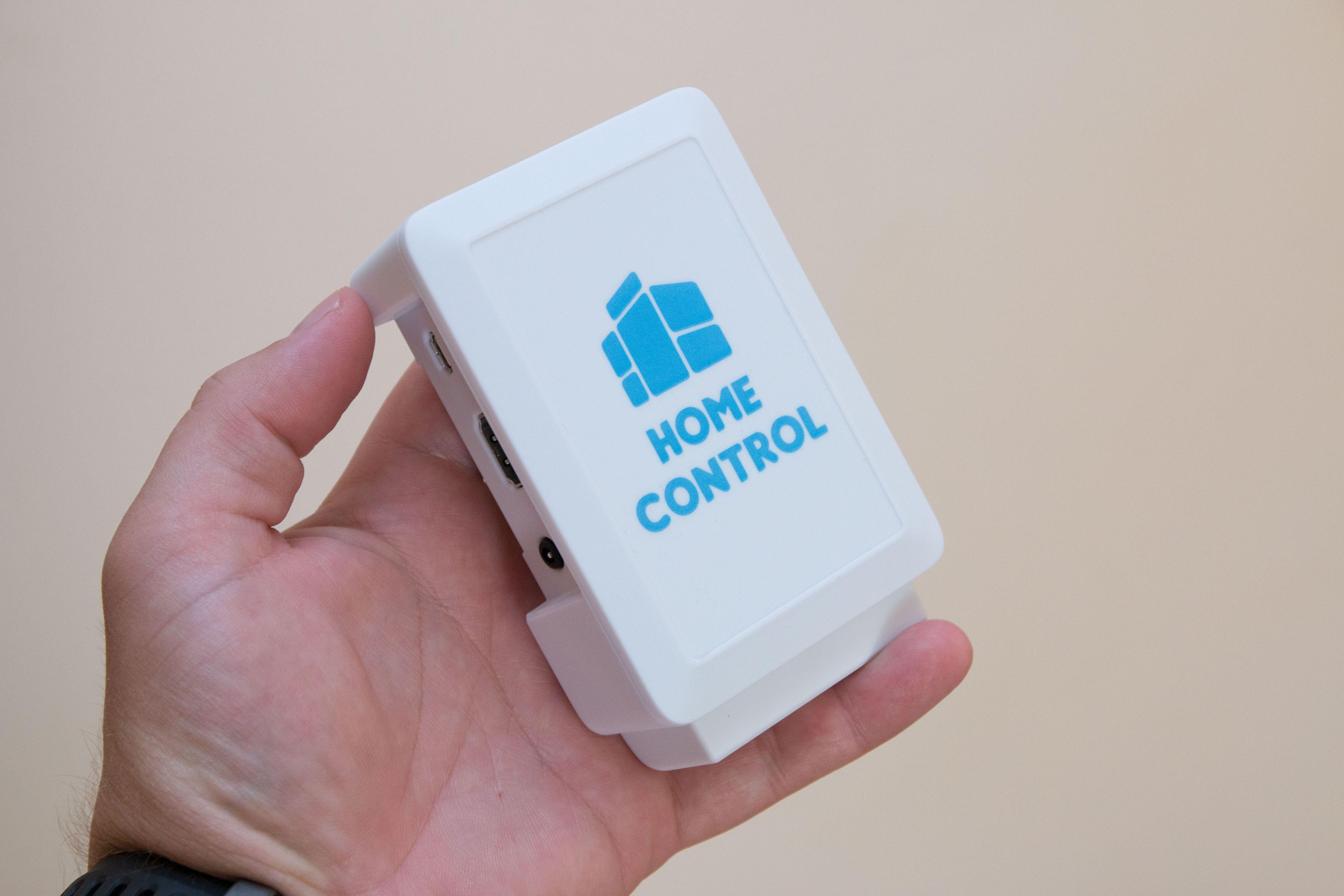 Den lille sentralen er ikke begrenset til kun Home Control-dingser. Foto: Ole Henrik Johansen / Tek.no