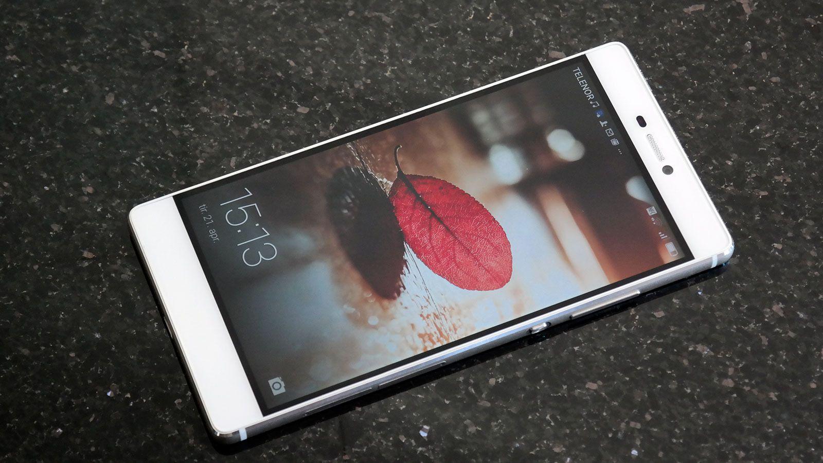 Det er ikke noe ved Huawei P8 som røper at denne er rimeligere enn konkurrentene. Foto: Espen Irwing Swang, Tek.no