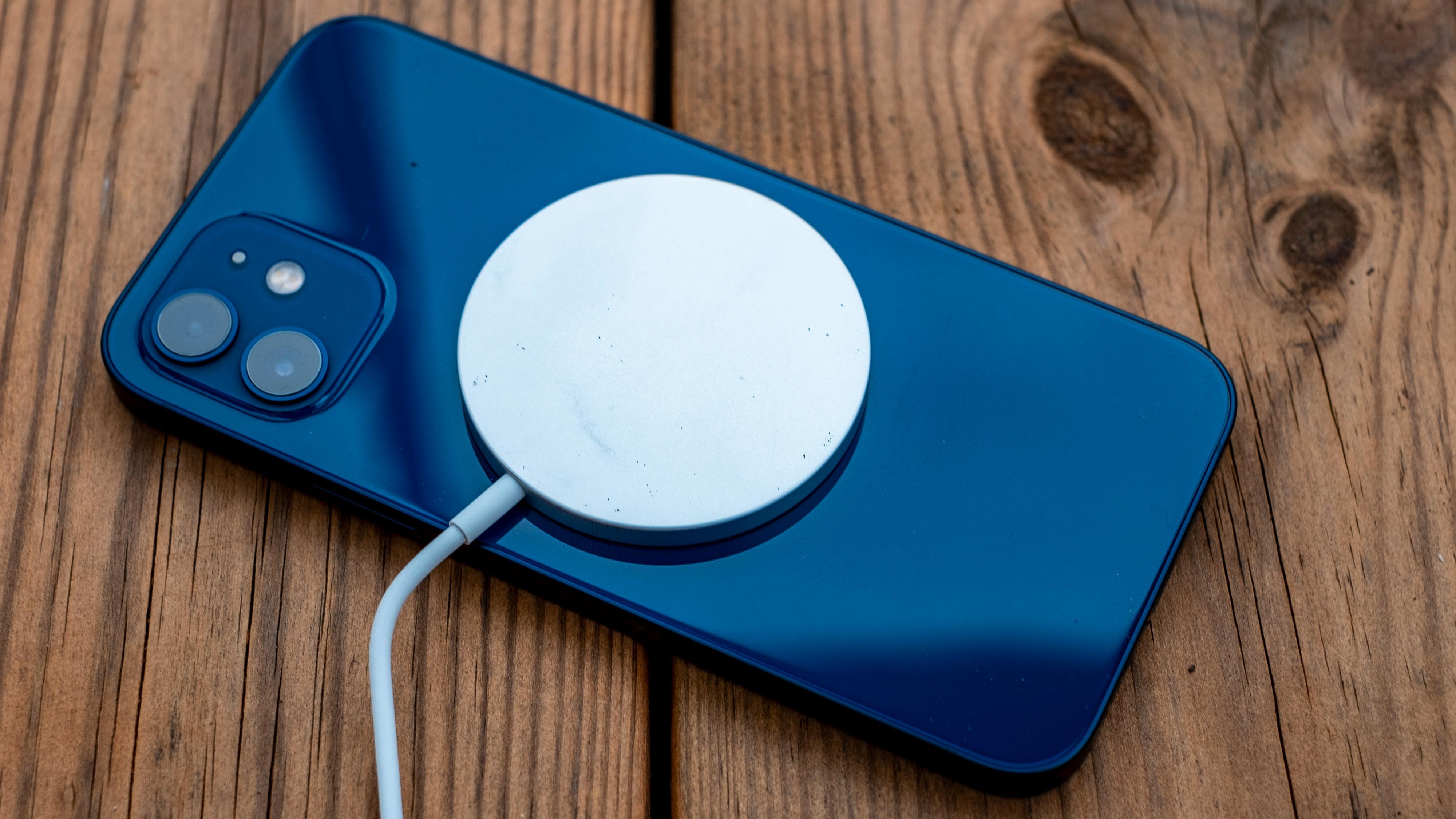 12 mini vil lade saktere med Magsafe enn de andre iPhone 12-modellene