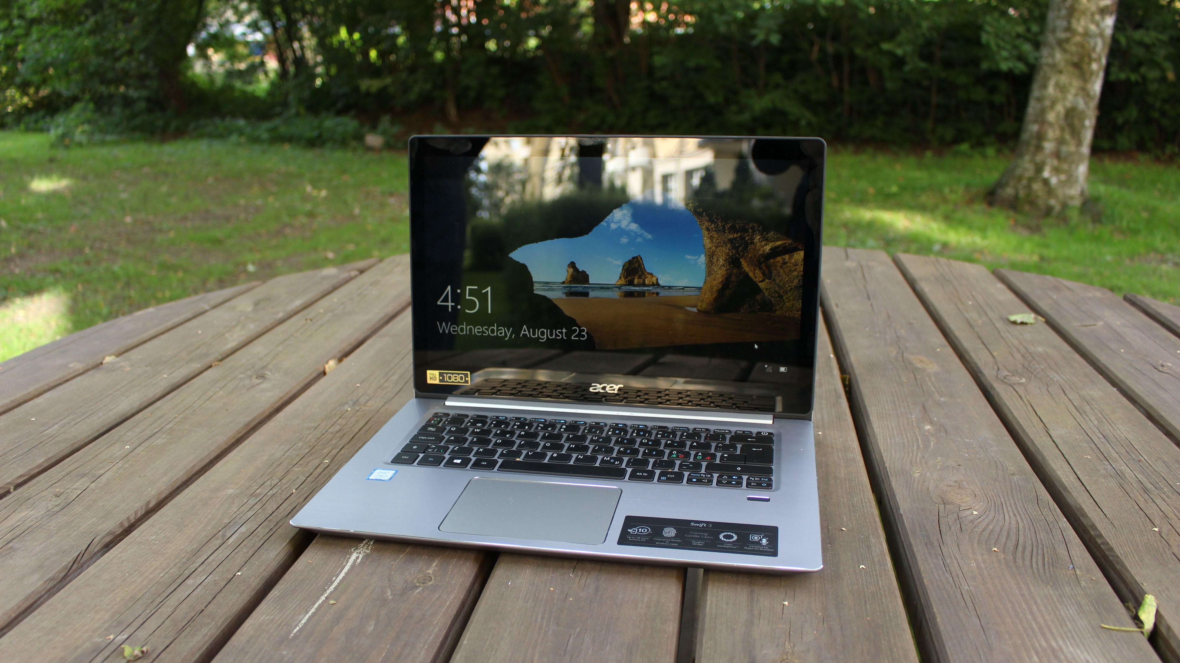 Acer Swift S314 har lekkert design – dog en litt i overkant refleksiv skjerm.