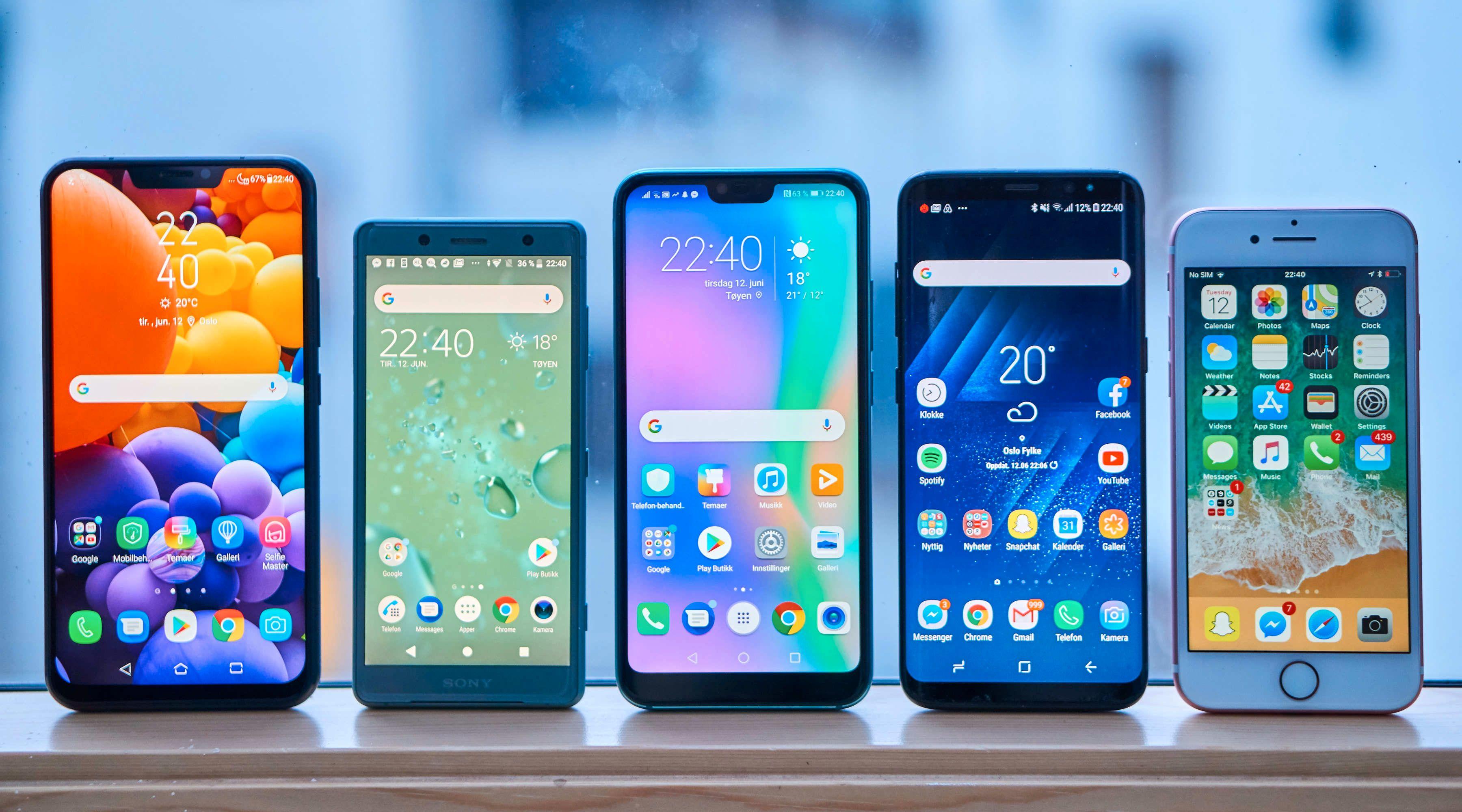 Honor 10 (midten) er en kompakt telefon. Fra venstre: Zenfone 5, Xperia XZ2 Compact, Honor 10, Galaxy S8 og iPhone 7.