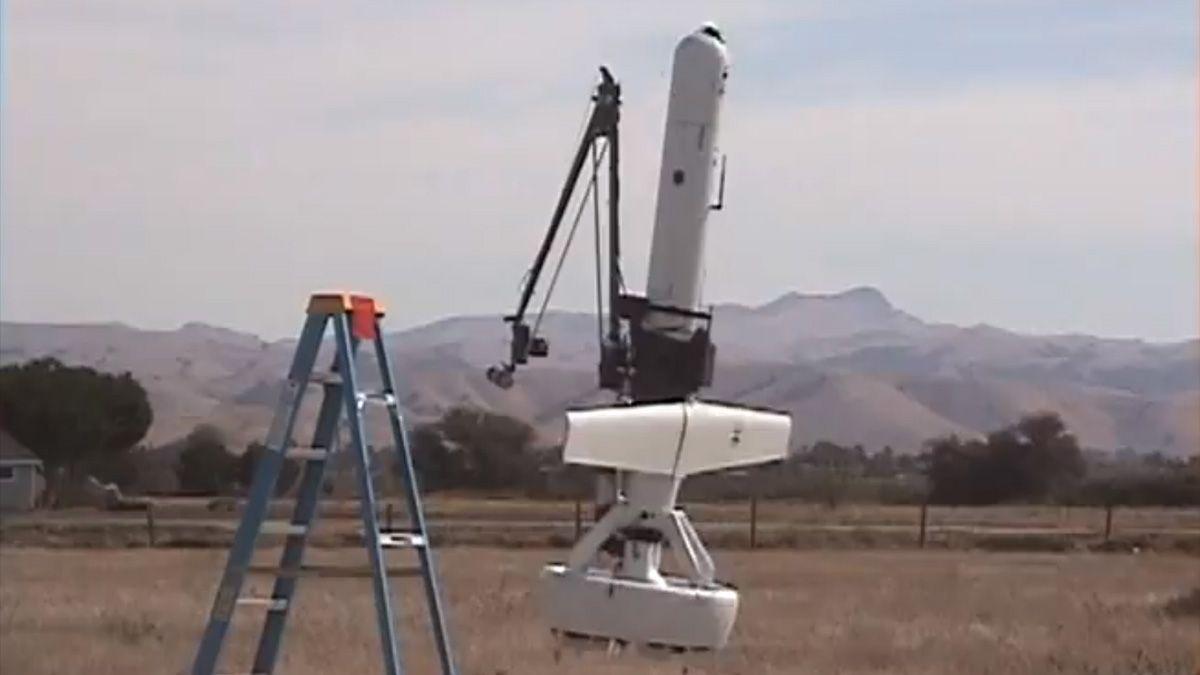 Svevende drone har to meter lang klo