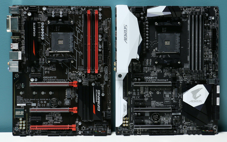 To AM4-hovedkort fra Gigabyte: AB350-Gaming 3 til venstre og AX370-Gaming 5 til høyre. De har AMD-brikkesettene B350 og X370.