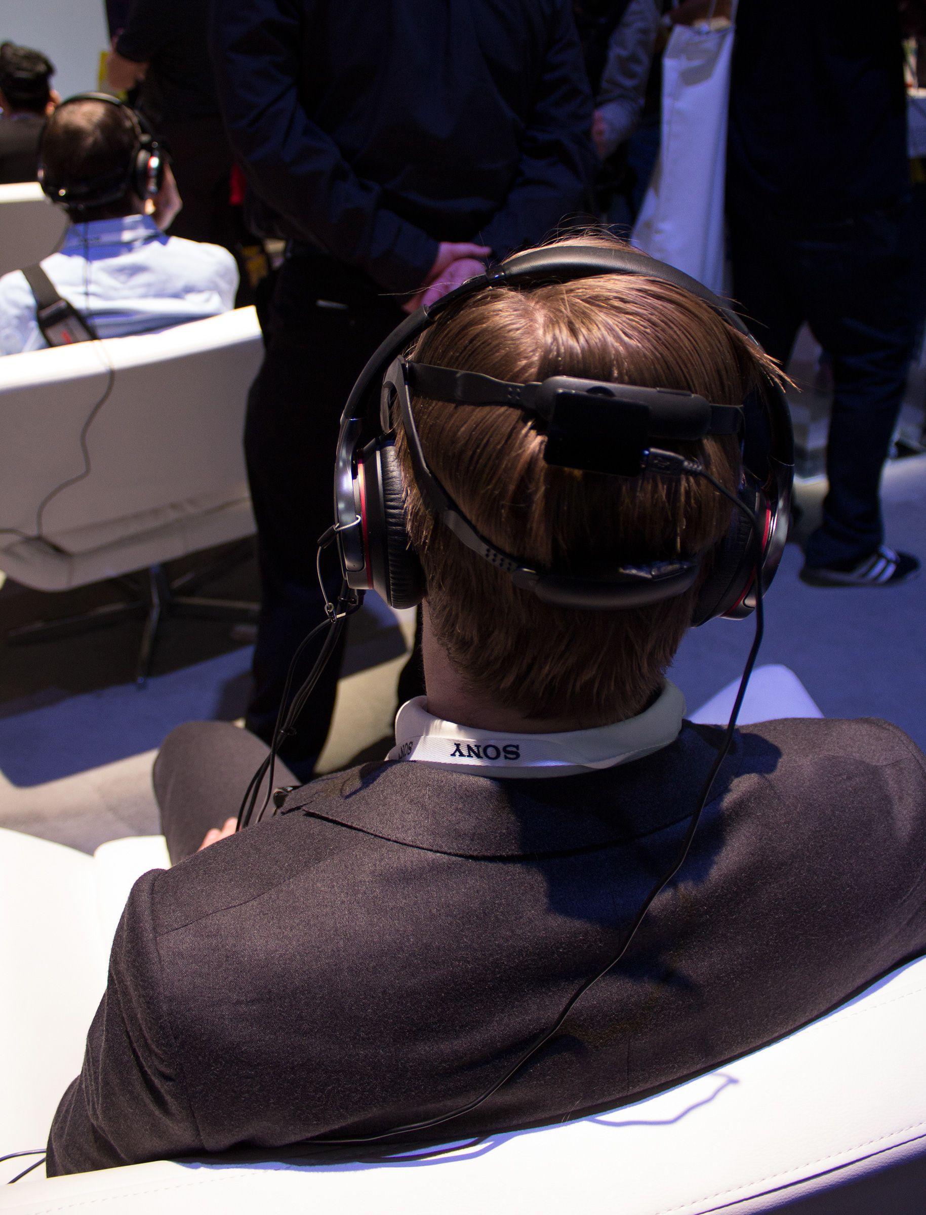 Brillene sitter lett og komfortabelt på hodet.Foto: Hardware.no