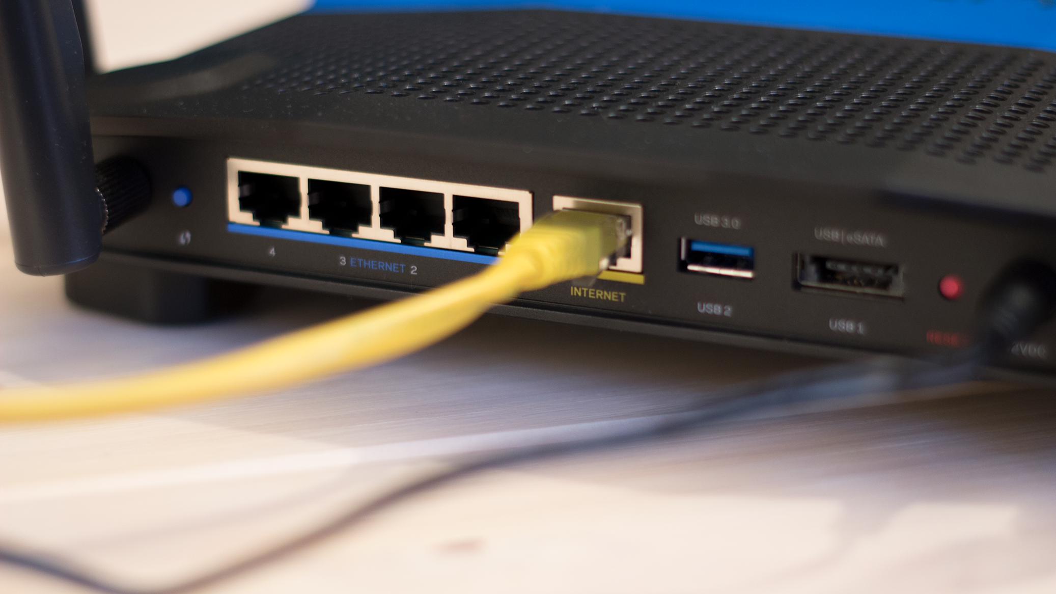 Nkom vil pålegge Telenor å holde kobbernettet oppe