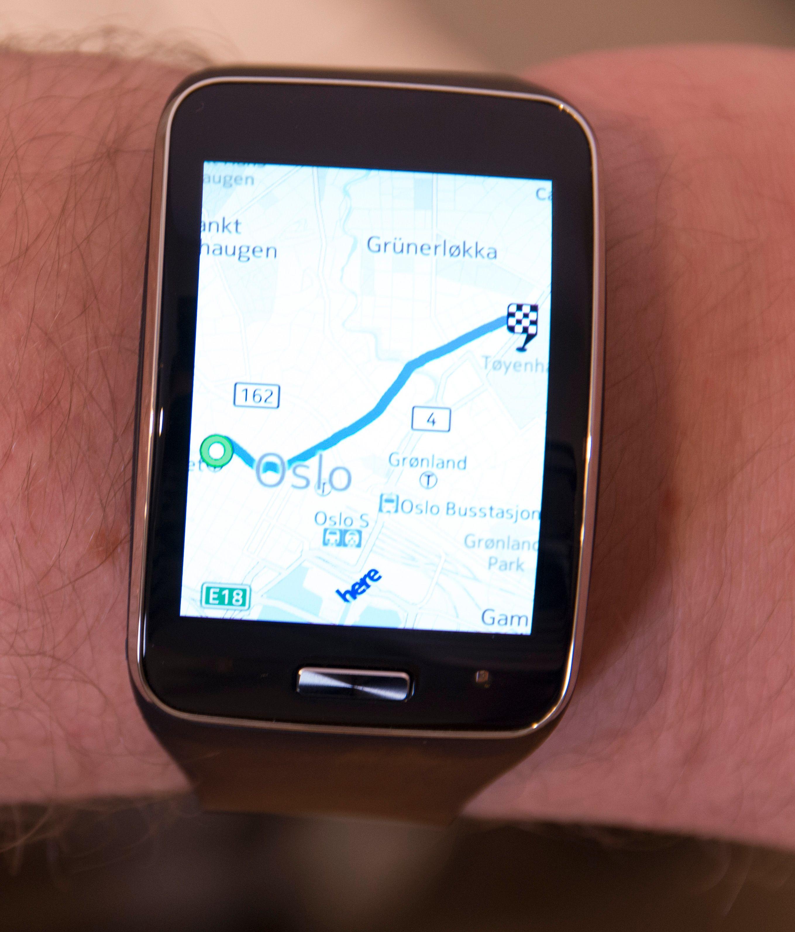 Klokken tilbyr full navigasjon med Nokias Here-tjenester.Foto: Kurt Lekanger, Tek.no