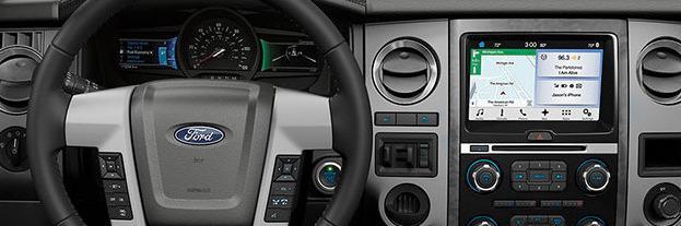 Apple CarPlay kjører for fullt, Android Auto har motorstopp