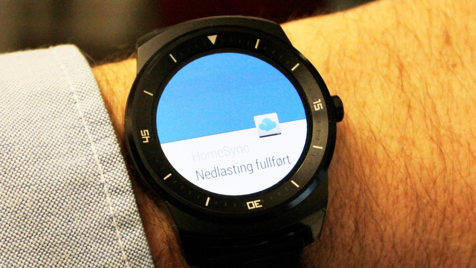 Appene du har på telefonen kan sende varsler til håndleddet ditt.Foto: Espen Irwing Swang, Tek.no