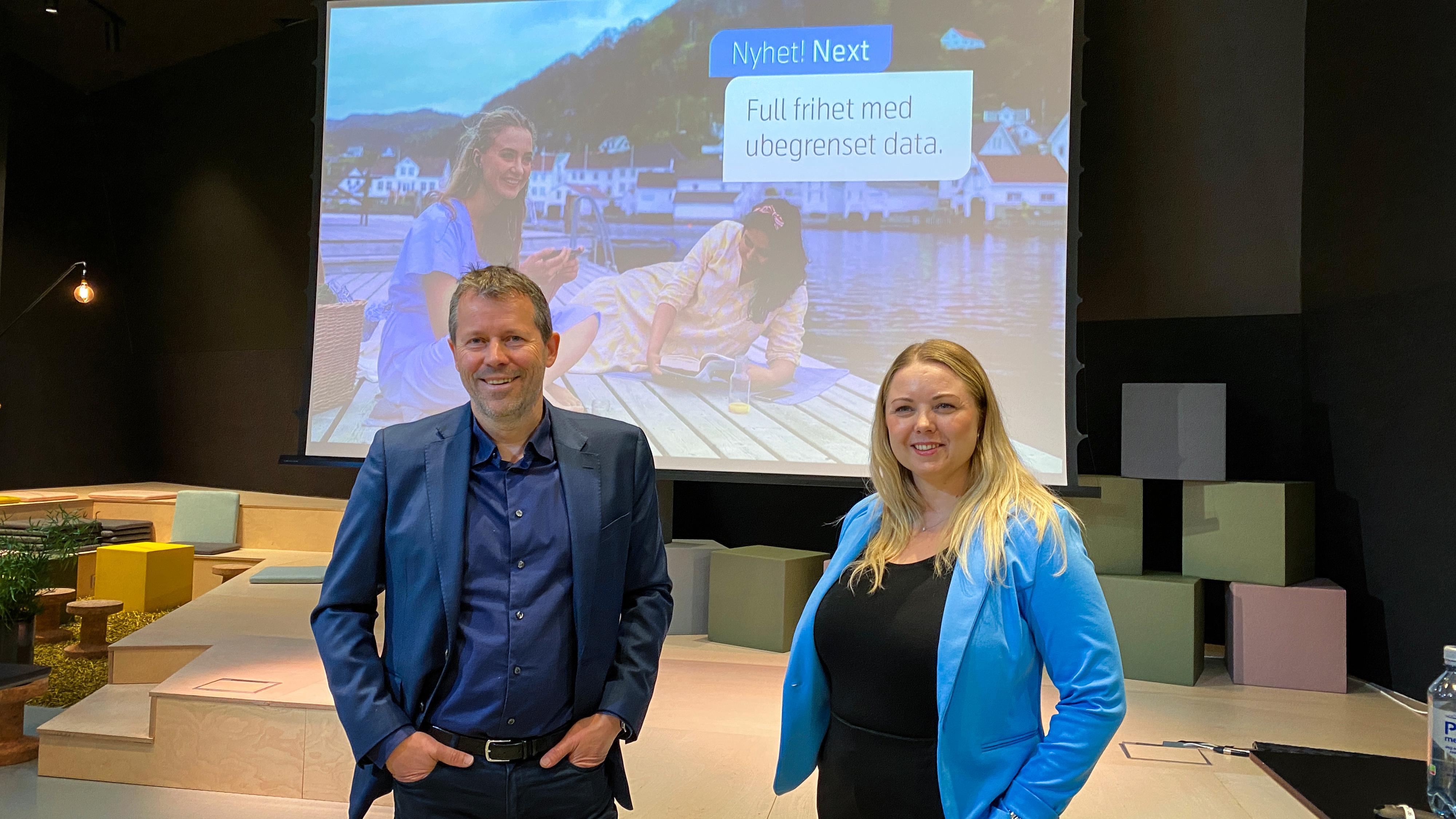 Mobildirektør Ric Brown og markedsdirektør June Solbekk i Telenor hadde en nyhet å presentere torsdag: Telenor Next.