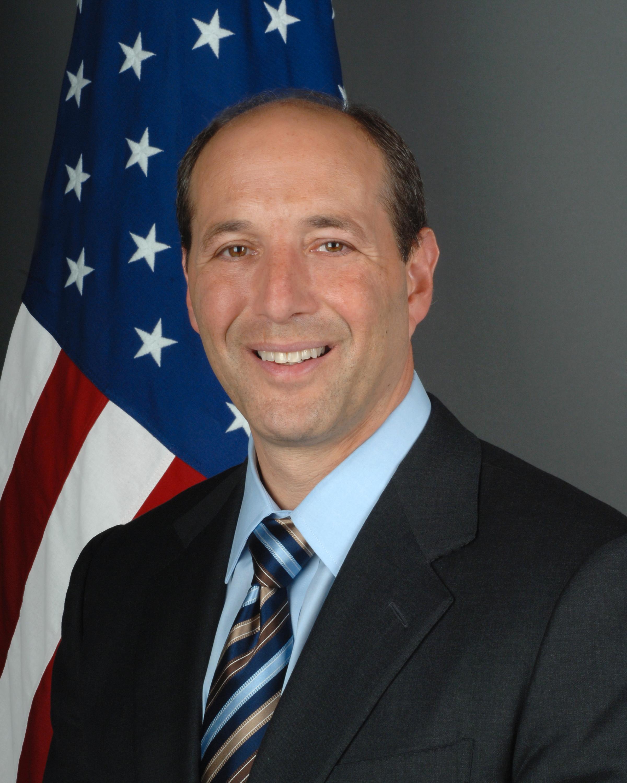 Ambassadør Jeffrey L. Bleich mener nedlastning av Game of Thrones er ugreit.Foto: Wikipedia Commons