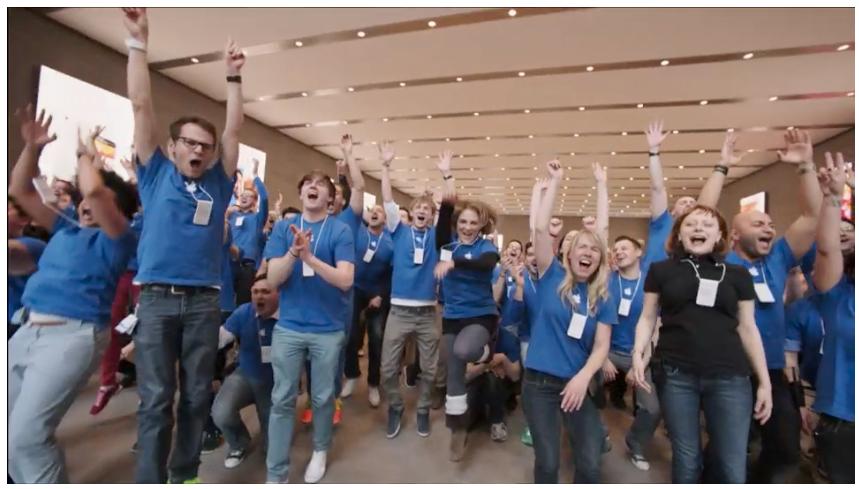 Hurra, vi jobber for Apple.Foto: Apple