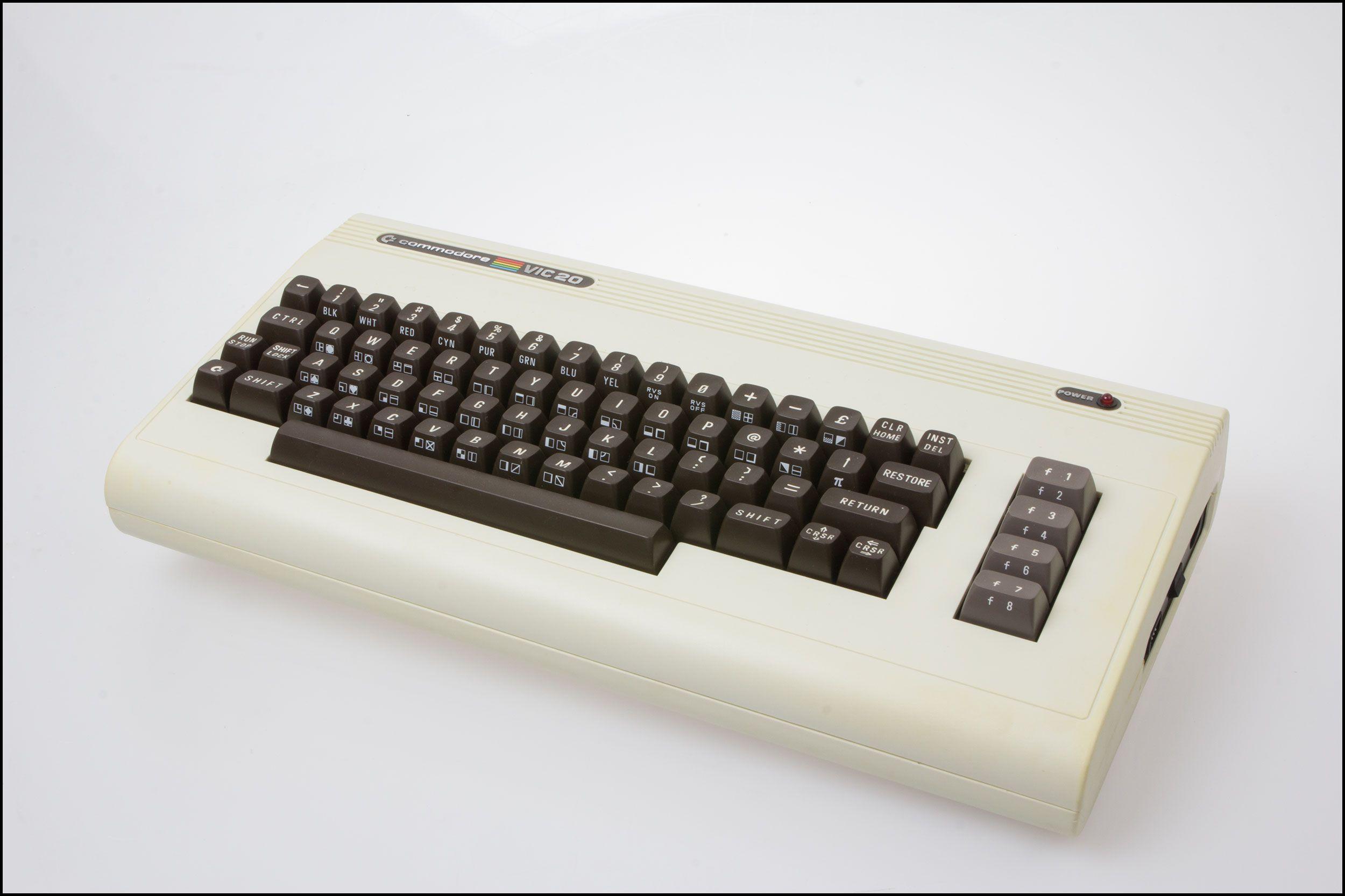 Commodore VIC 20 i all sin prakt.Foto: Jørgen Elton Nilsen, Hardware.no