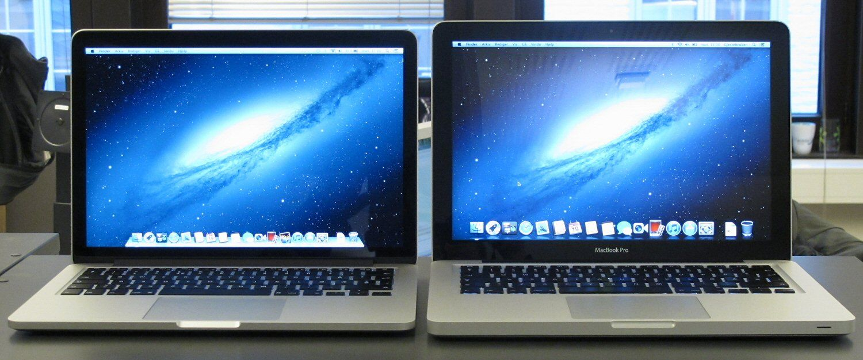 MacBook Pro med Retina-skjerm til venstre, vanlig MacBook Pro til høyre.Foto: Vegar Jansen, Hardware.no