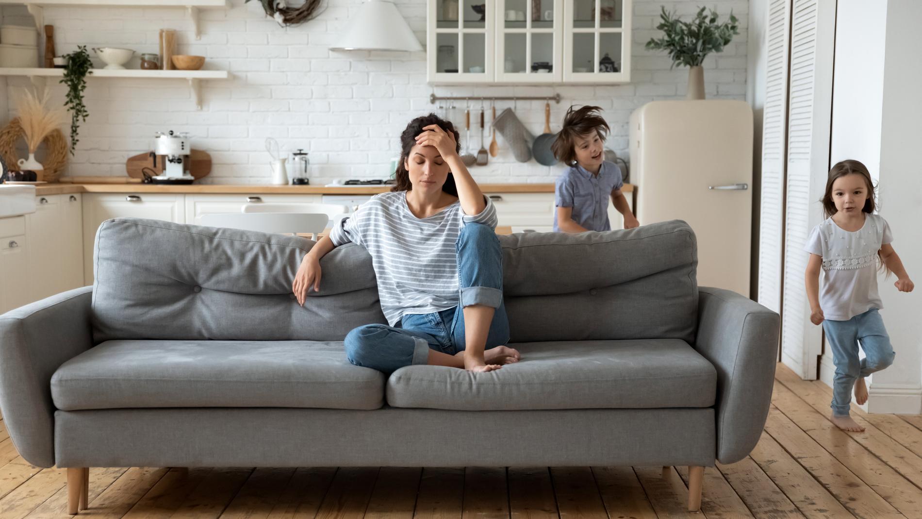 Lär dig att tolka din kropps signaler för när du måste ge dig själv egentid. Så undviker du att krascha rakt in i väggen och att såra de du älskar.
