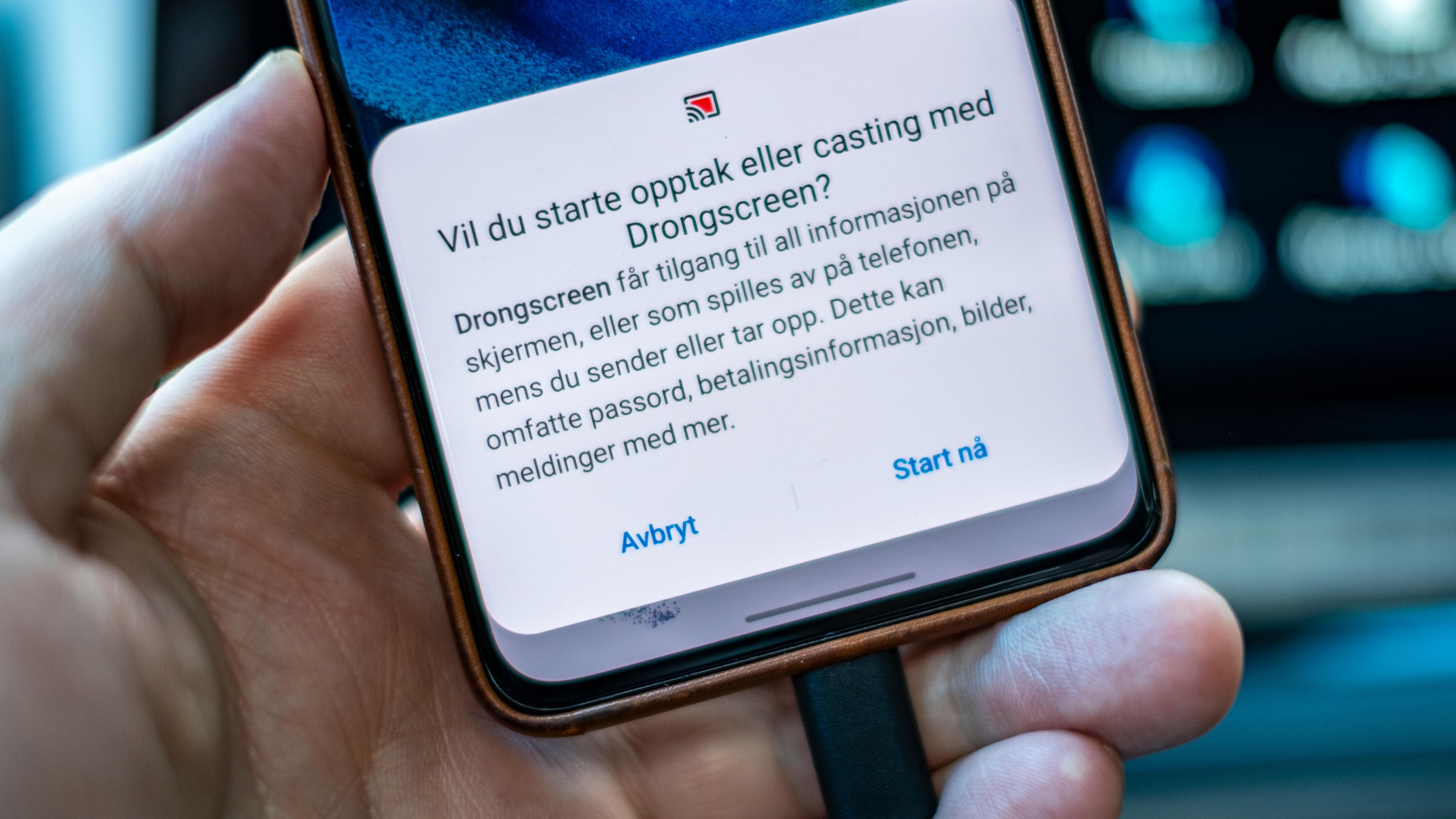 En litt underlig kinesisk app installert gjennom nettleseren skal hjelpe Android-telefoner å bruke re-Stream-donglen. Men den fikk vi ikke til å fungere, og siden den er utenfor Google Play kan den være en sikkerhetsrisiko. Det er like greit å koble Android-mobilen sin til bilen direkte.