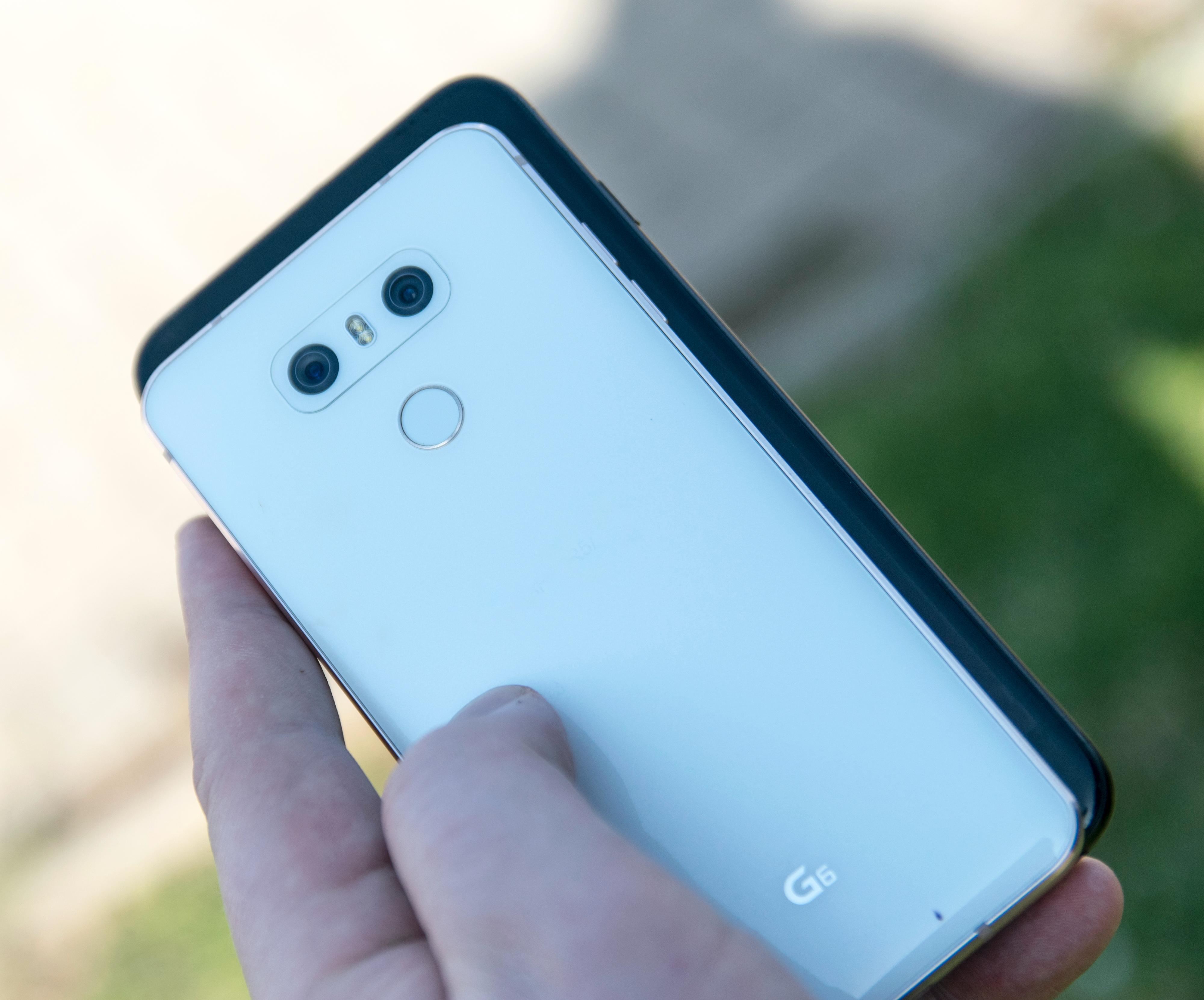 LG G6 over en iPhone 7 Plus med 5,5 tommer stor skjerm.