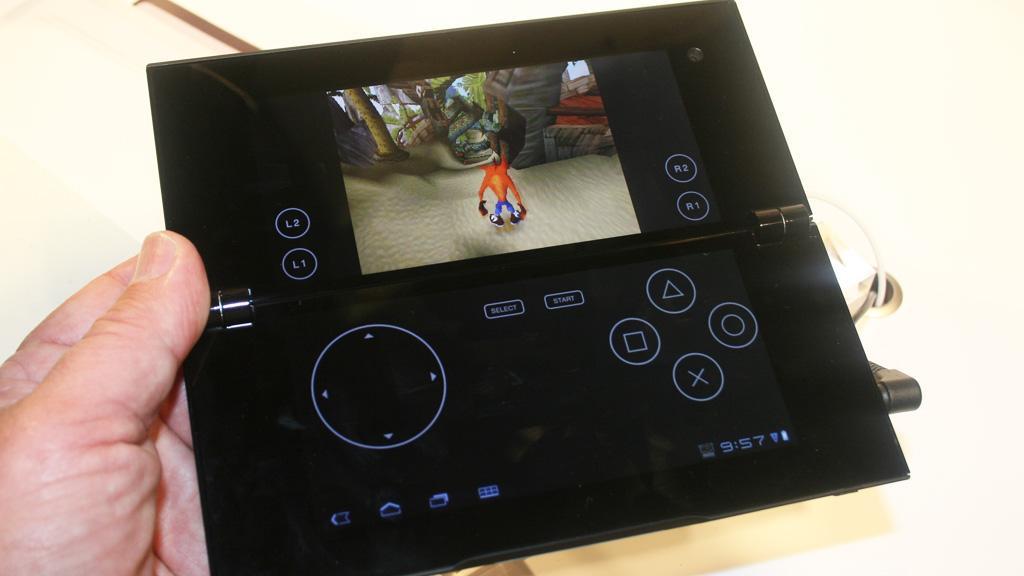 Stor skjerm, men svak utnyttelse. Her går det meste av skjermen til kontroller, mens spillet ender opp som et frimerke på den øverste delen. Du får en langt bedre spillopplevelse med de fysiske kontrollene på en PSP.