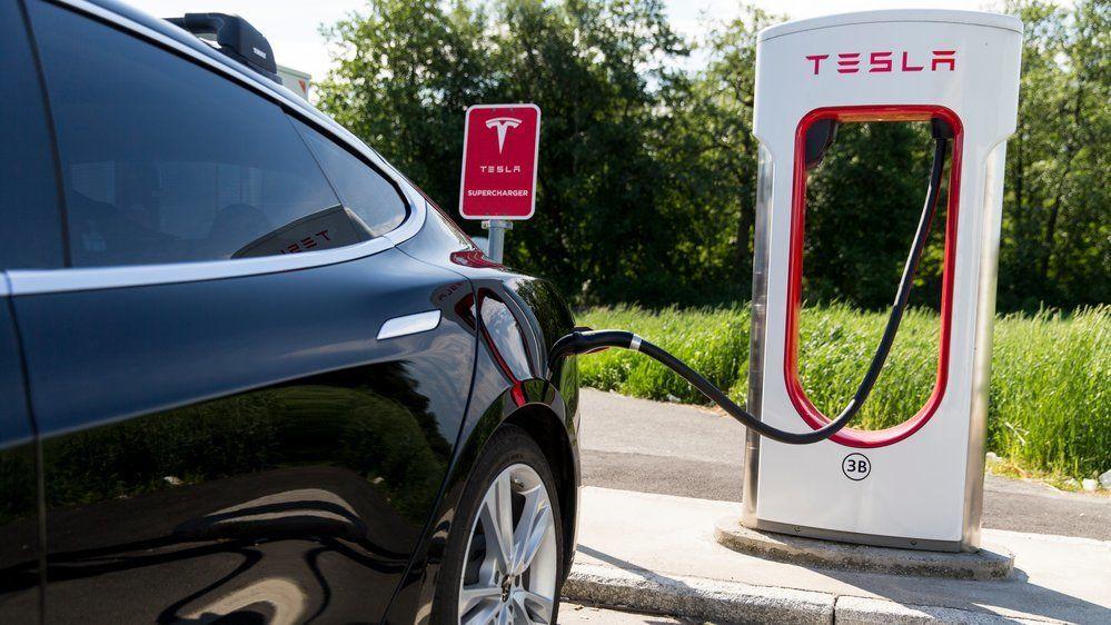 Drastisk prisøkning for Teslas superlading