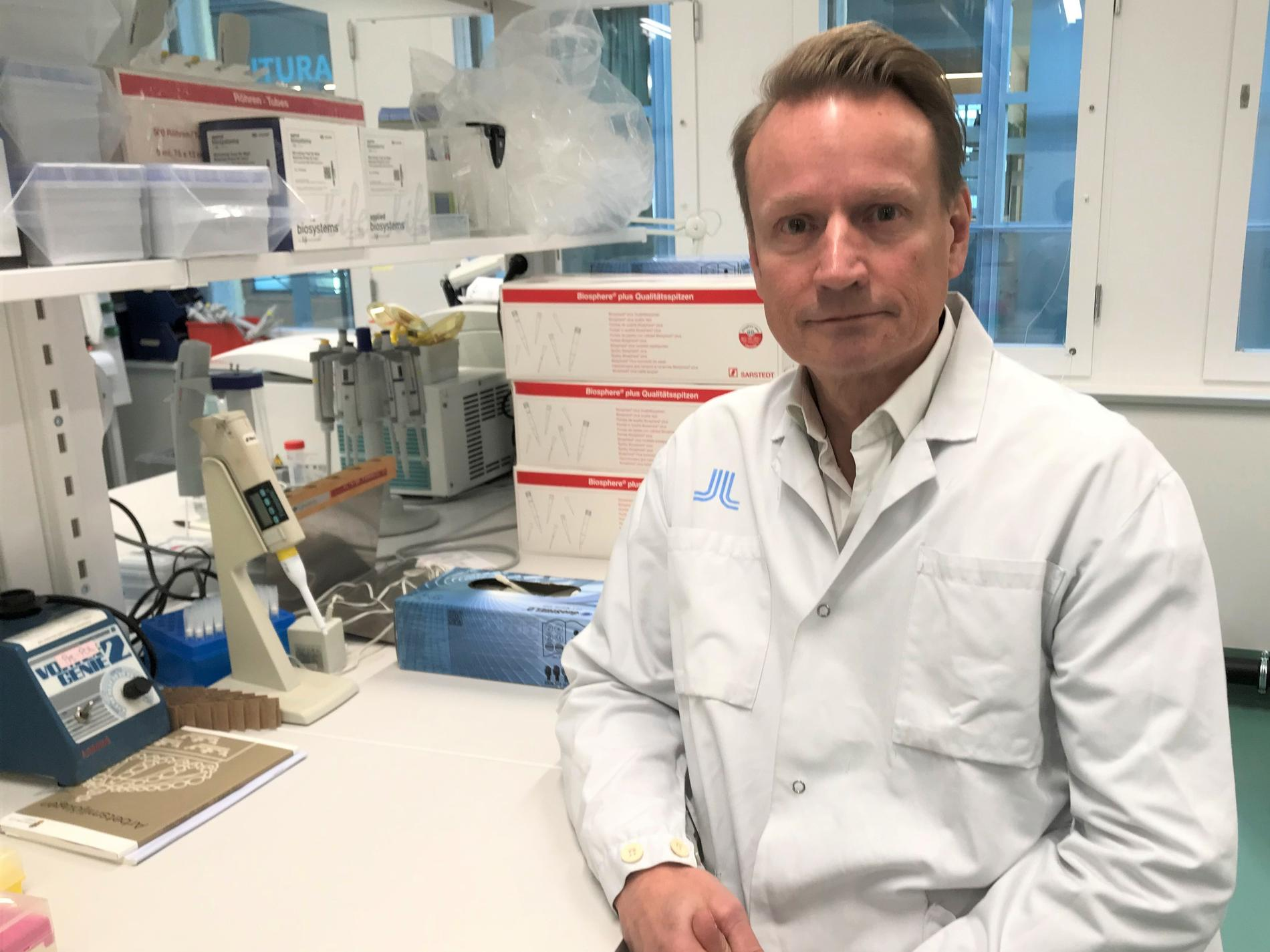 Matti Sällberg, professor och biomedicinsk analytiker vid Karolinska Institutet.