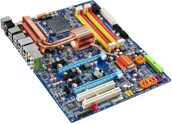 Bildet viser X38-kort fra Gigabyte: GA-X38-DQ6