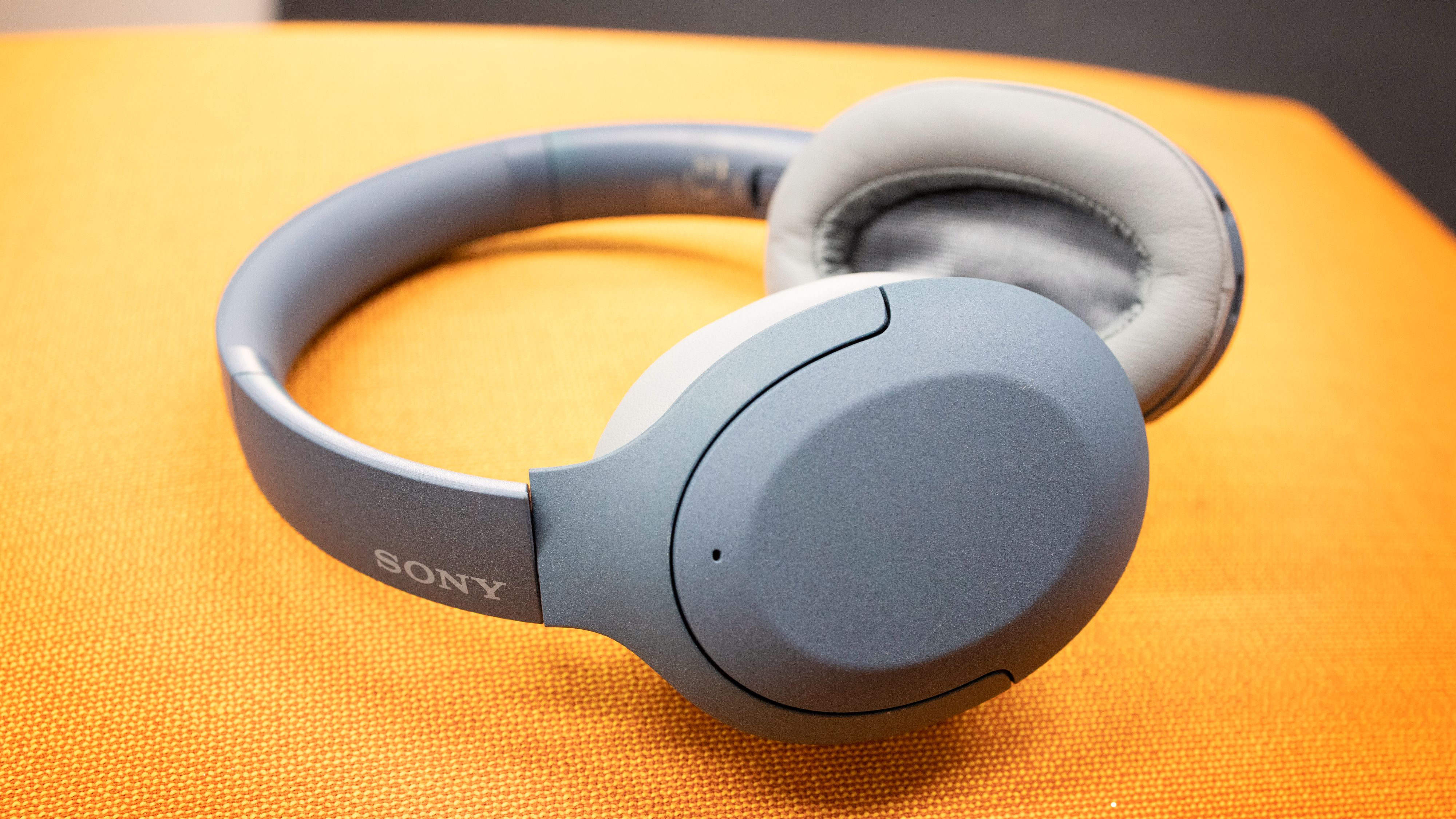 Sonys WH-H910 er jevnt over gode, men de koster foreløpig for mye.