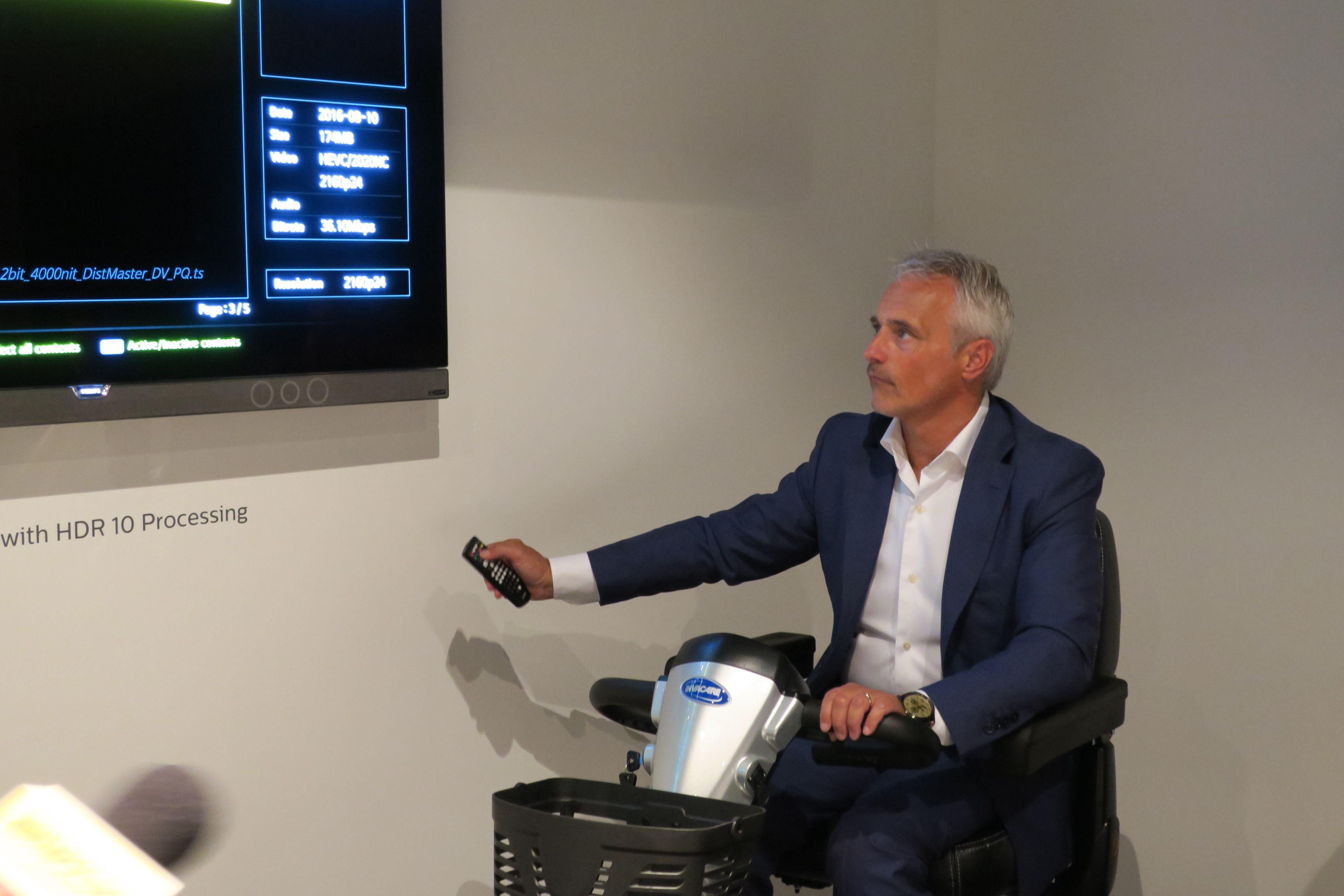 Danny Tack i Philips påpeker det selskapet er den store fordelen med OLED.