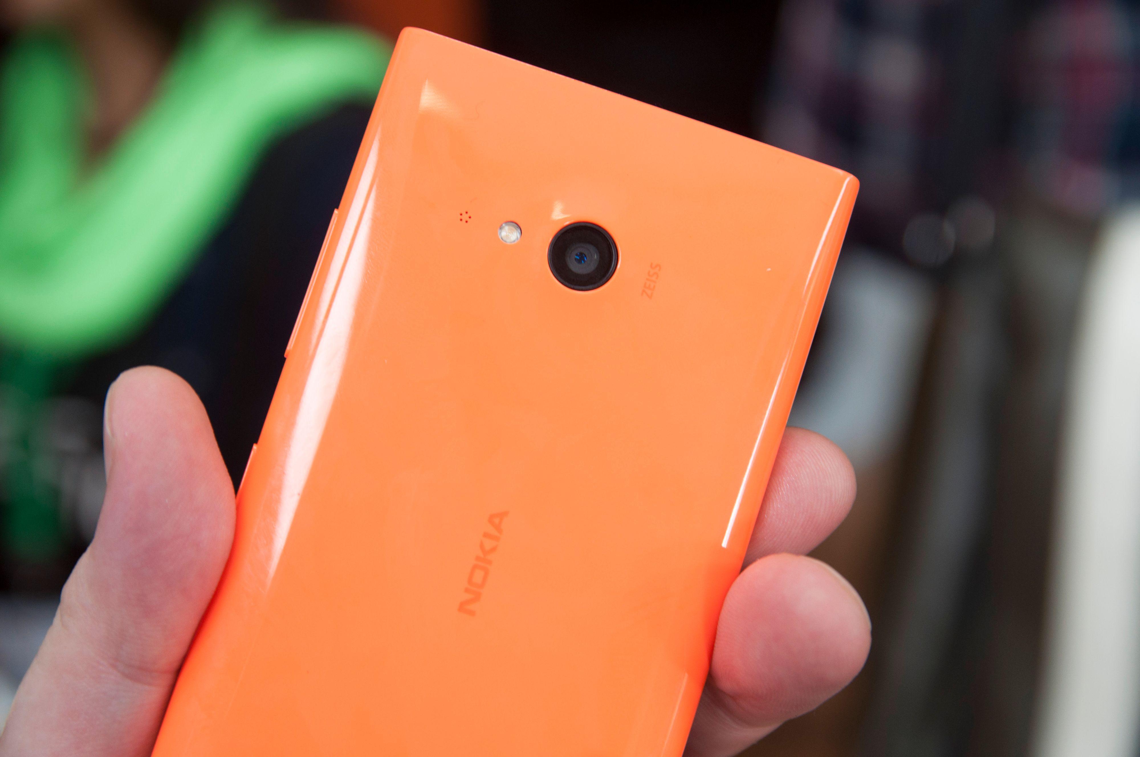 Nokia Lumia 735 bærer ikke Microsofts PureView-merke, men har likevel Carl Zeiss-optikk, og skal ta forholdsvis gode bilder.