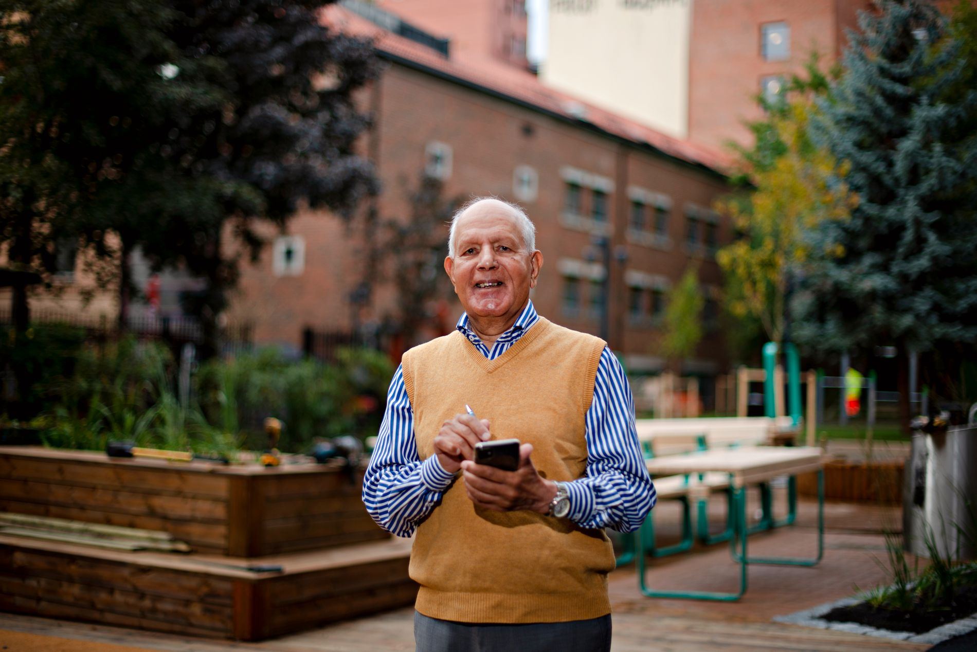 SOCIAL: Mohammed Islam (72) uses Messenger, What's App and SMS when talking to children and grandchildren.