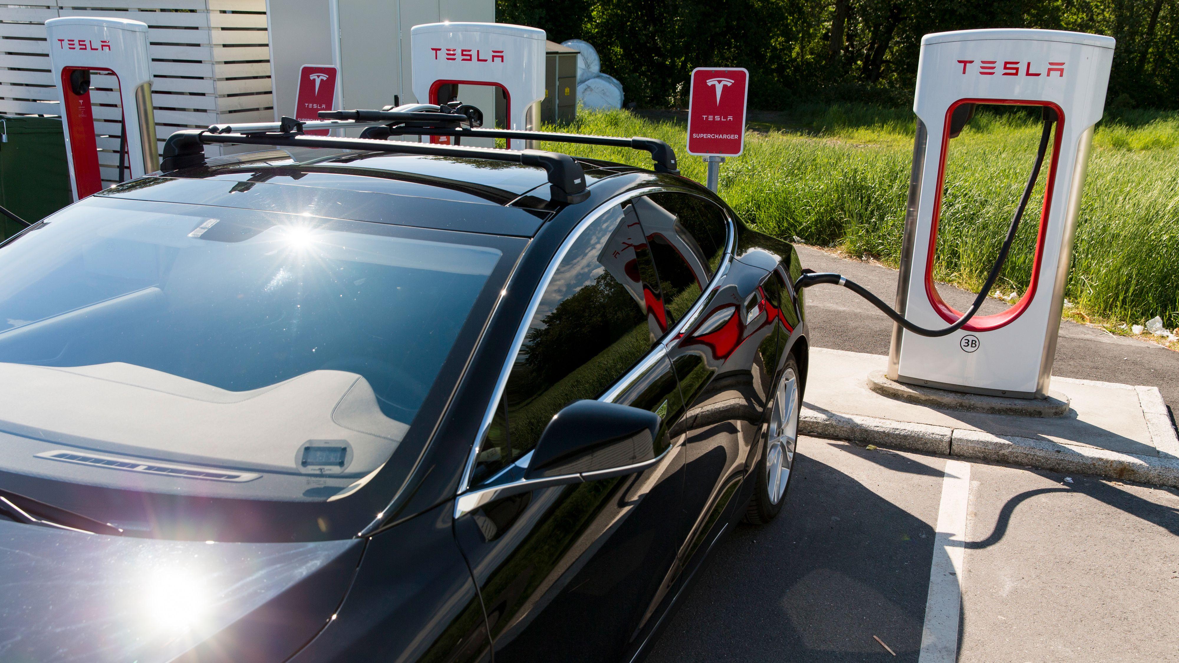 For første gang på flere år falt elbilsalget sammenlignet med fjoråret