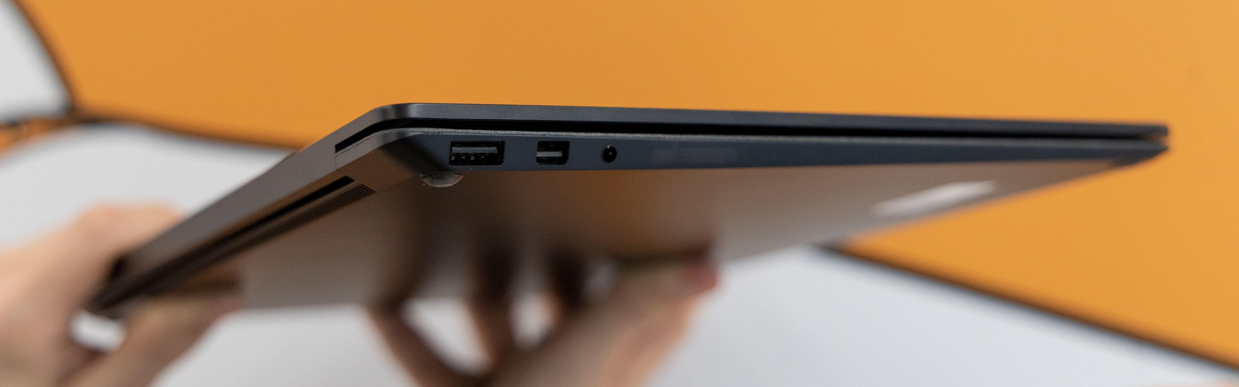 Hvorfor i all verden lanserer Microsoft en bærbar uten USB-C eller Thunderbolt 3 i 2019?