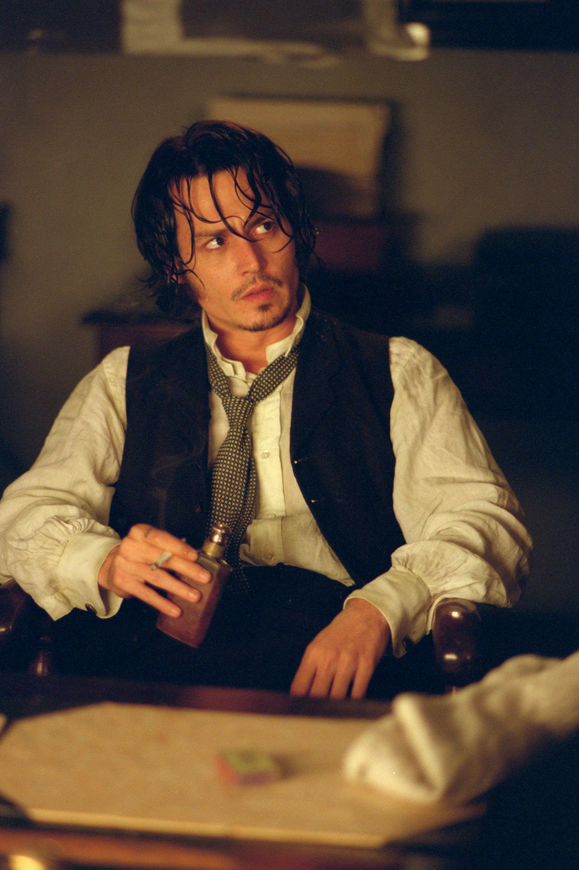 """Herr Depp må vente i ubestemt tid på å spille heroinist i """"Shantaram"""" på grunn av streiken i Hollywood."""