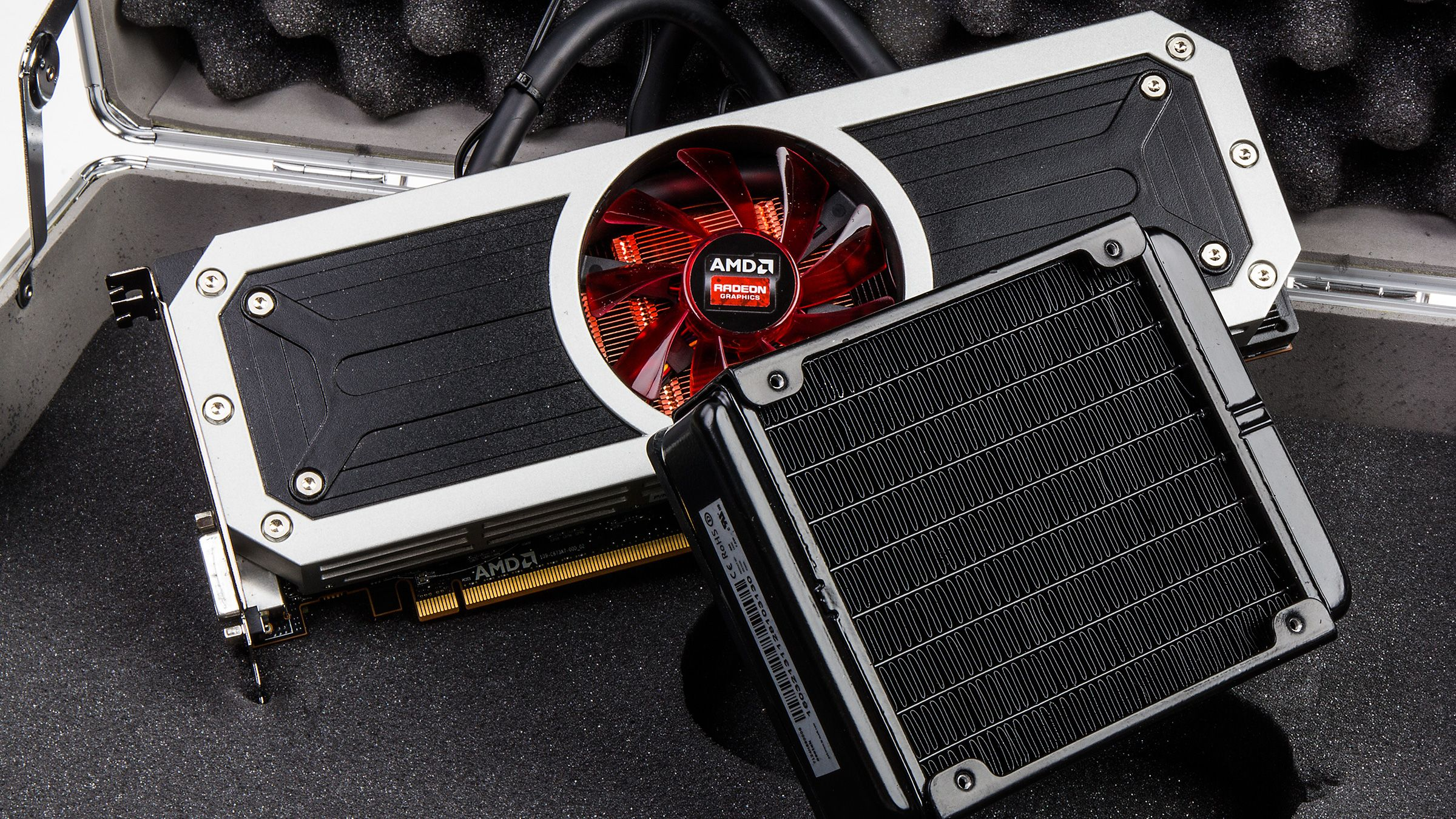AMD Radeon R9 295X.Foto: Varg Aamo, Hardware.no
