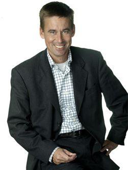 August Baumann lover at hele 3G-nettet får høye hastigheter i løpet av 2008. (Foto: NetCom)