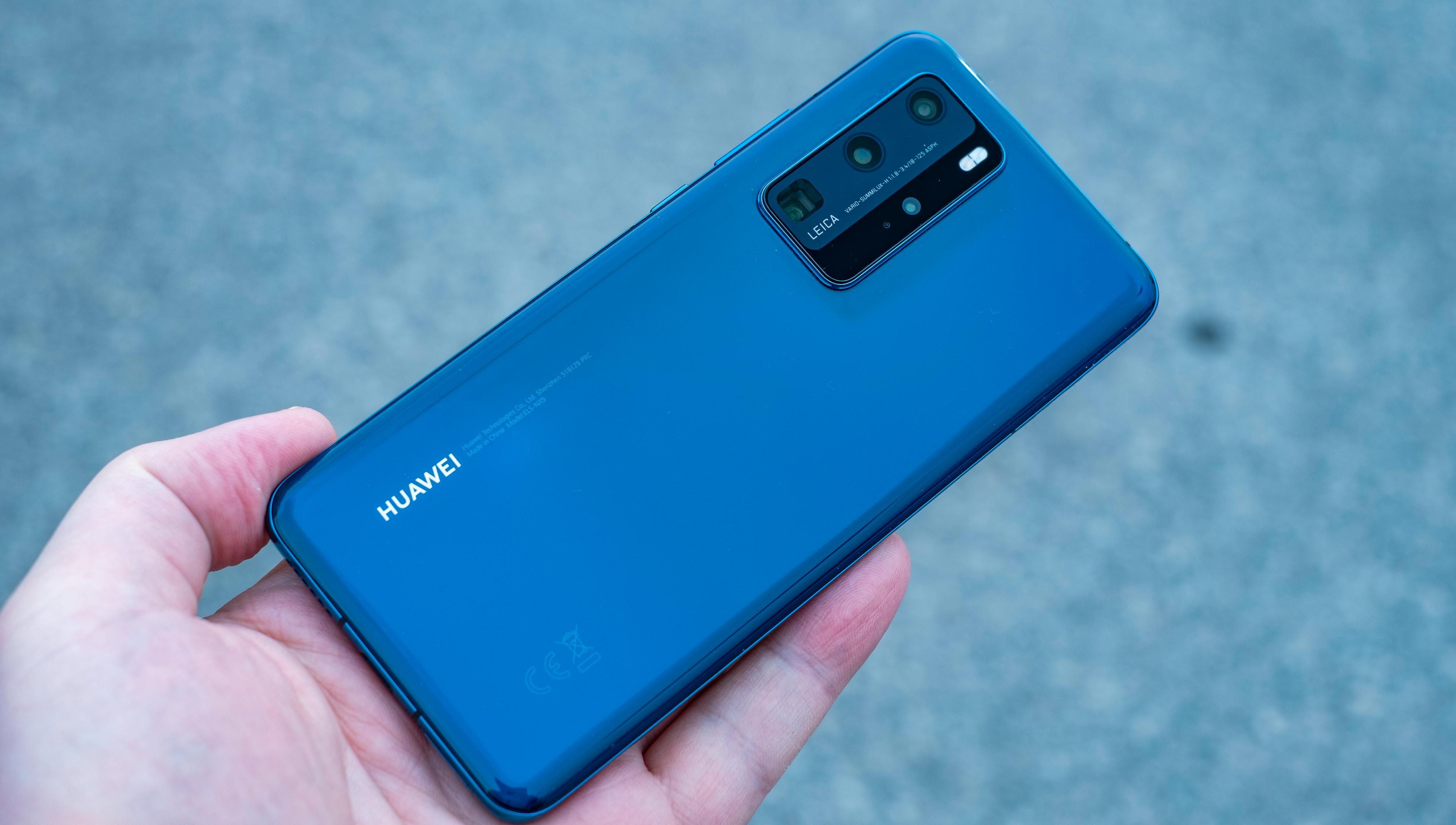 P40 Pro er ingen superkompakt telefon, men den ligger likevel bedre i hånden enn mange telefoner den kan sammenliknes med.