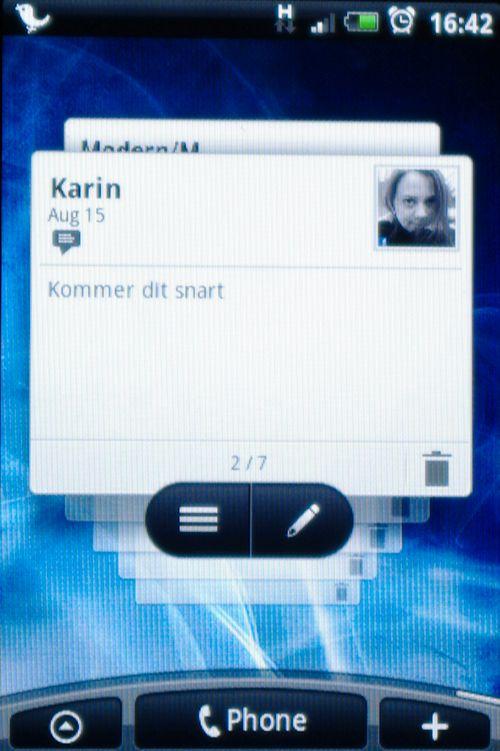 Tekstmeldings-widgeten gjør det enkelt å bla gjennom innkommende tekstmeldinger.