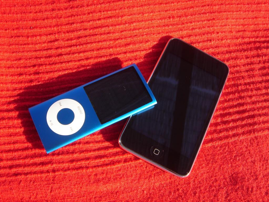 Apple Ipod Touch sammen med lillebror Nano
