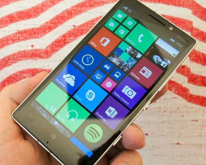 Teknologiinteresserte venter spent på hvordan Windows 10 vil ta seg ut på telefoner. Ryktene vil ha det til at vi ikke får se den nye Windows-versjonen på telefoner før sent i januar. Men, Microsoft er også til stede på CES.Foto: Finn Jarle Kvalheim, Tek.no