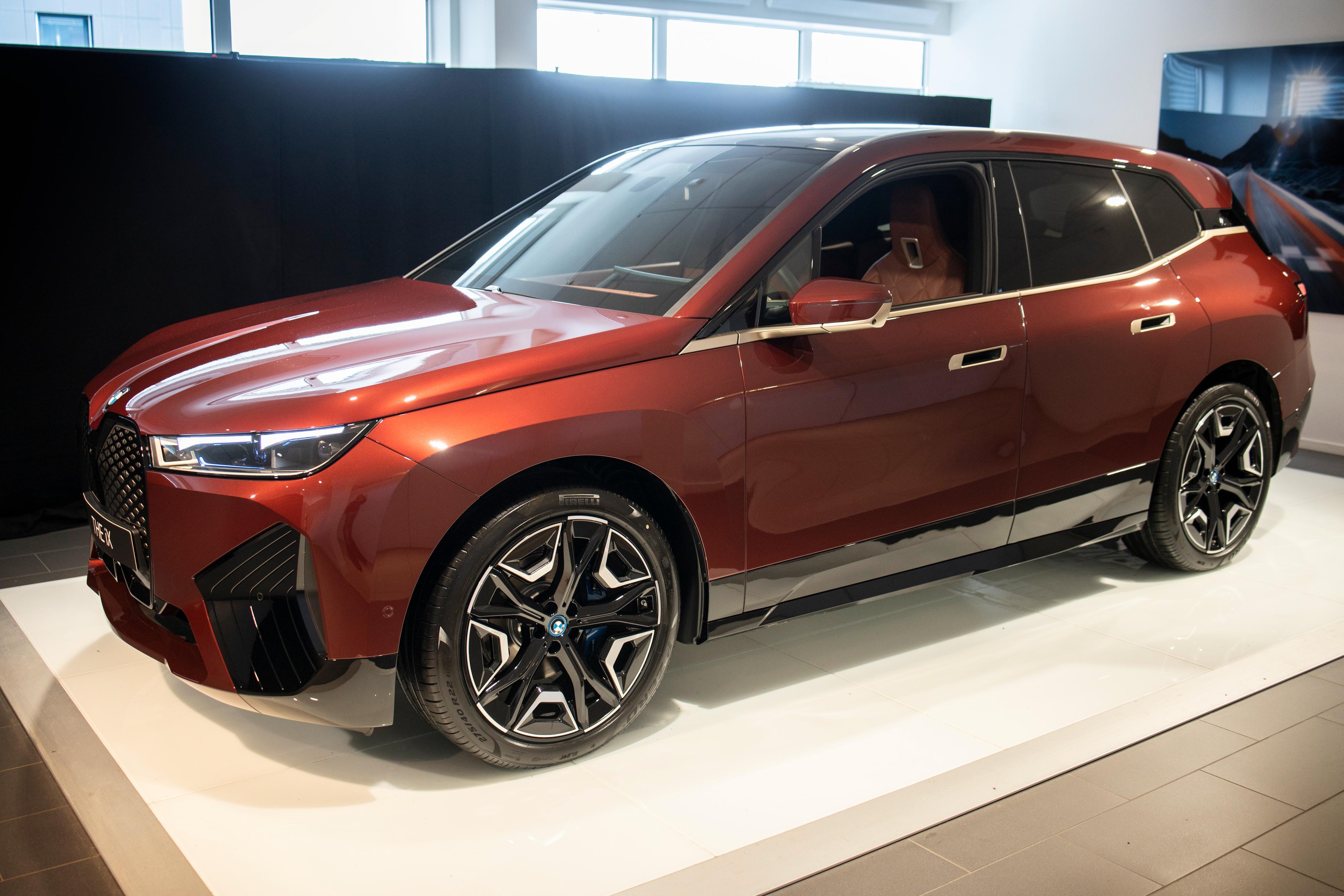 BMW iX er i praksis den elektriske versjonen av X5, men med innvendig plass som en X6.