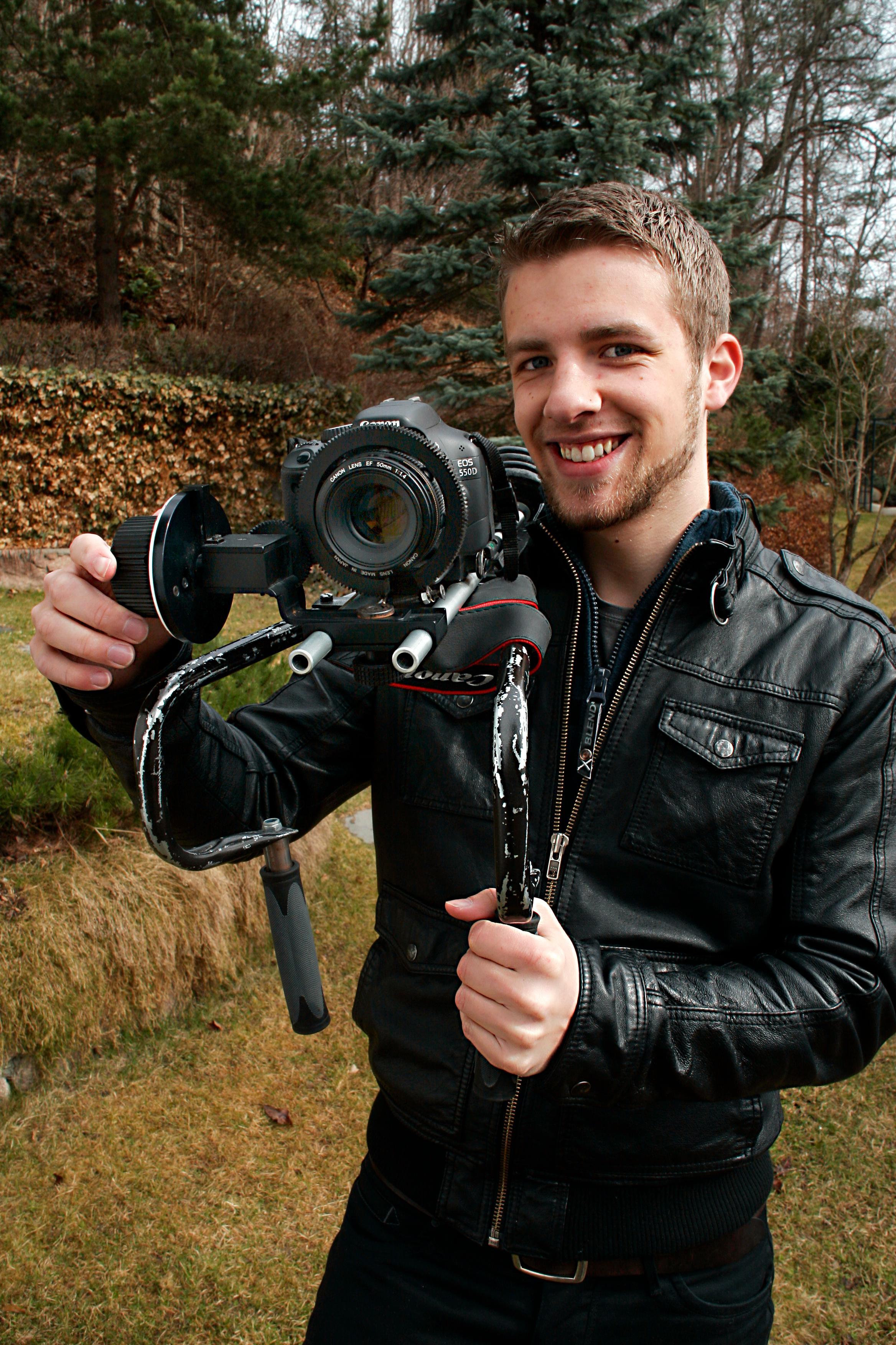 FREMTIDEN: - Speilreflekskameraer med videofunksjon er fremtiden, mener Øvergaard. FOTO: ANDERS HAMMARGREN