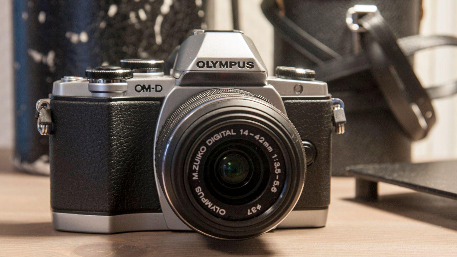 Olympus OM-D E-M10. Foto: Kristoffer Møllevik
