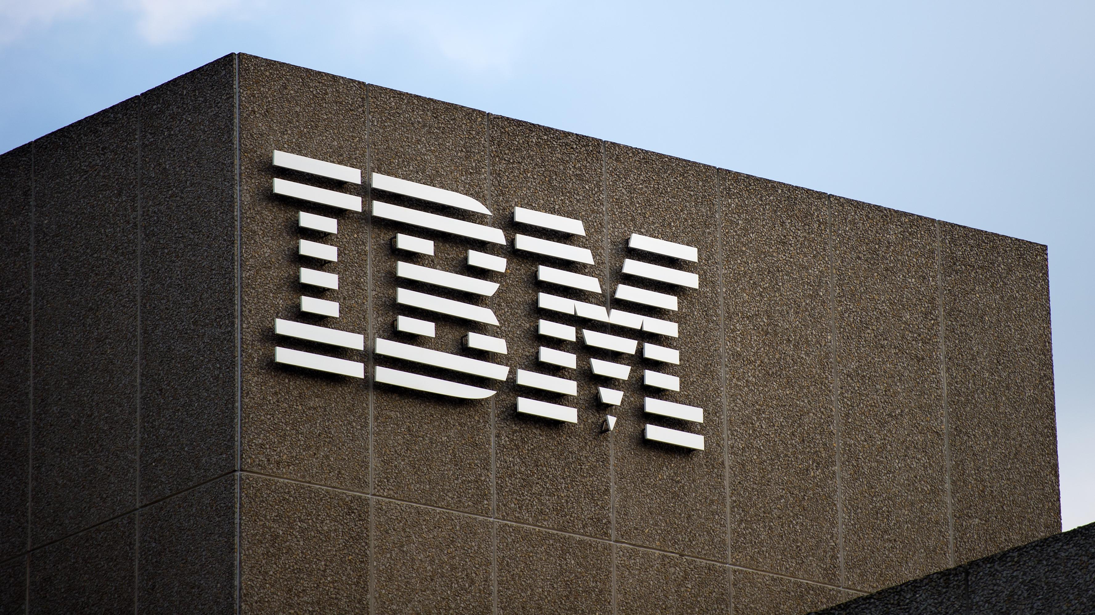 IBM avviser masseoppsigelser