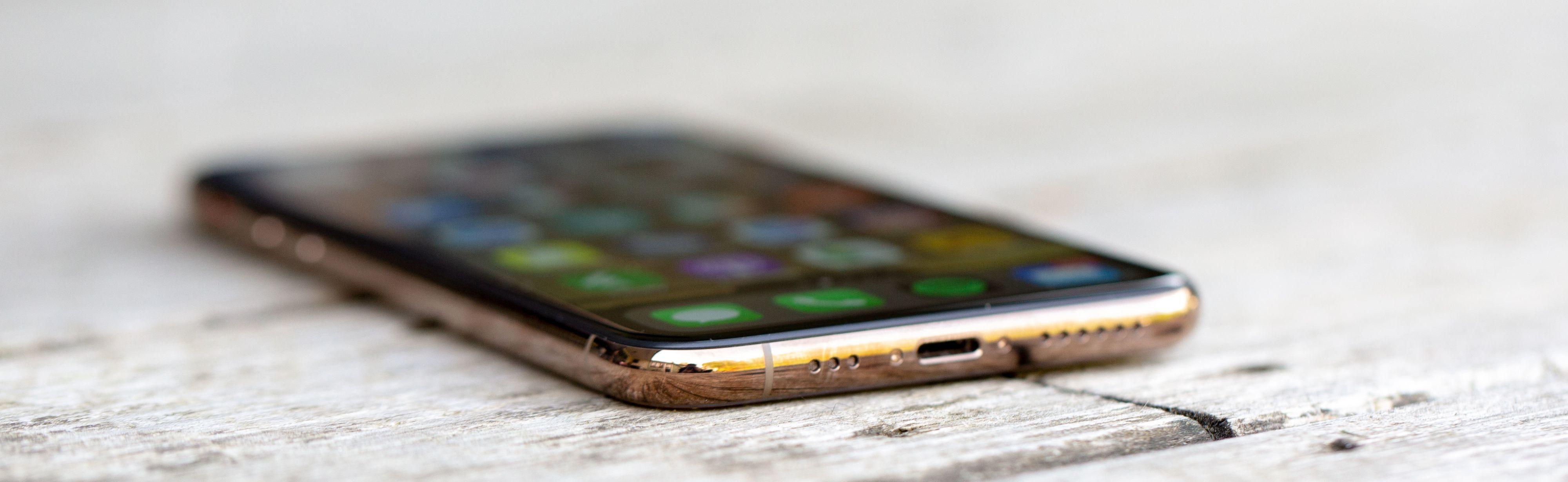 Nytt i iPhone Xs er at den kommer i en gullvariant.