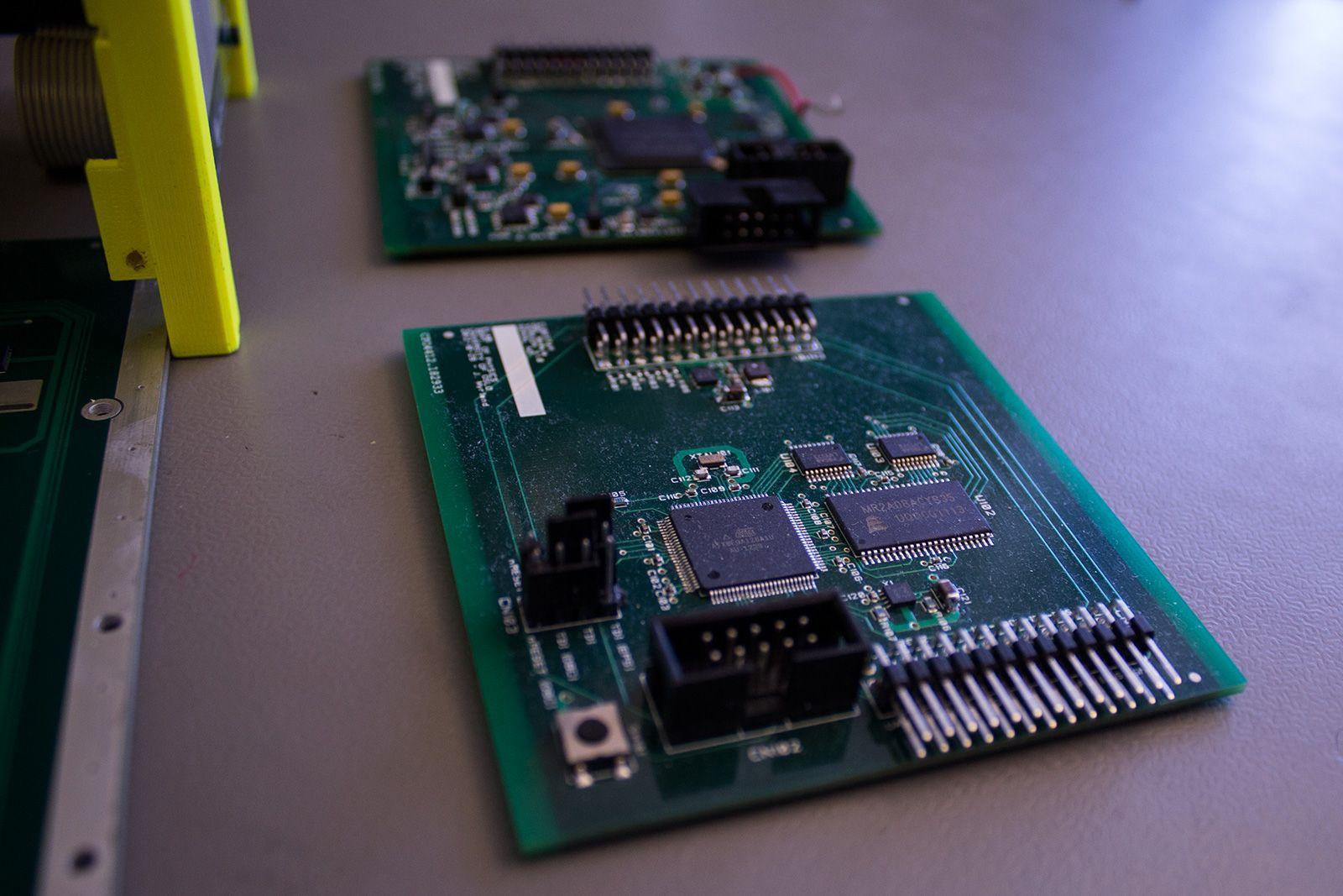 Samtlige systemer er designet og konstruert av UiO-studenter.Foto: Varg Aamo, hardware.no
