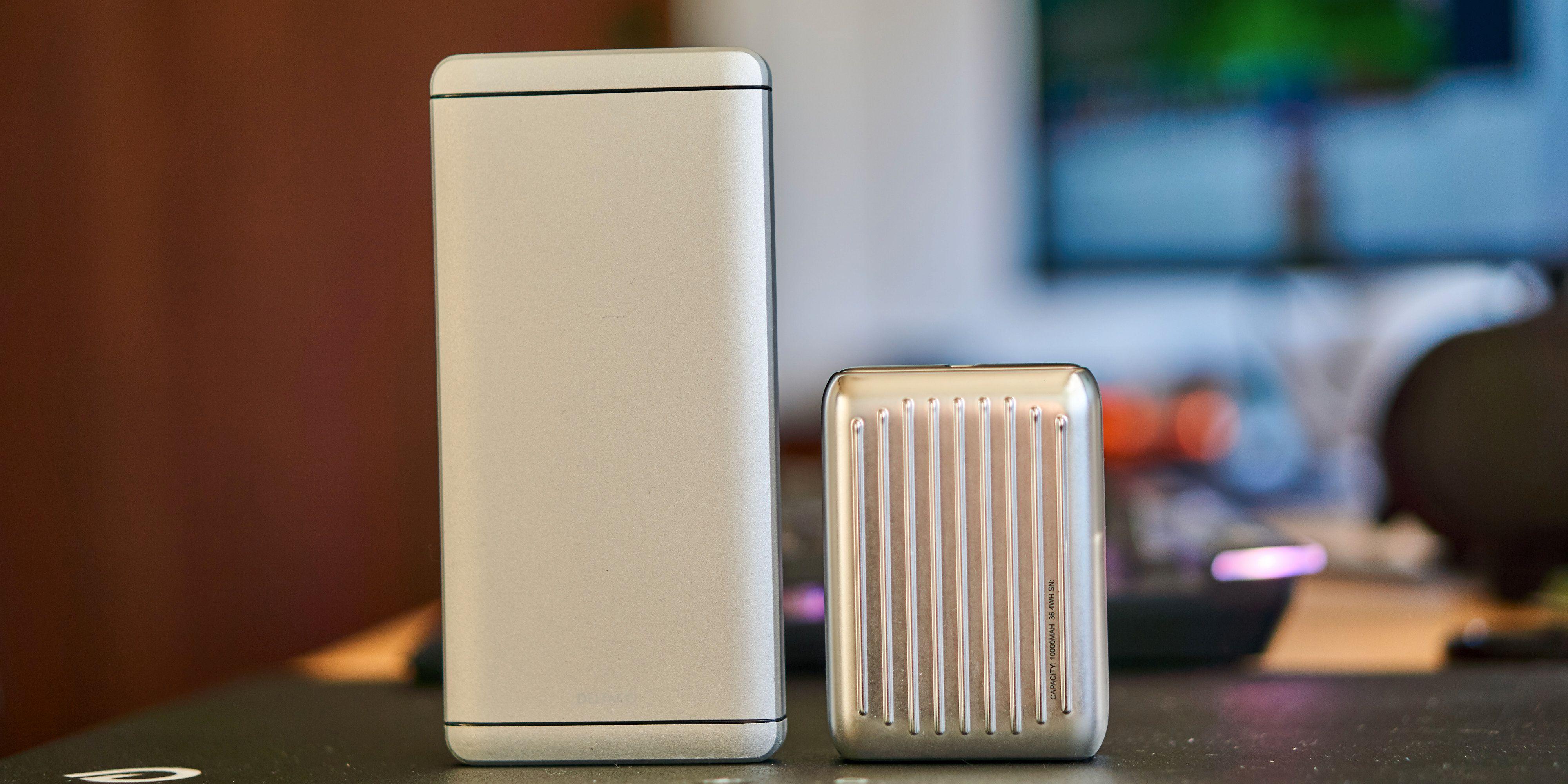Størrelsesforskjellen er stor, men begge har lik kapasitet.